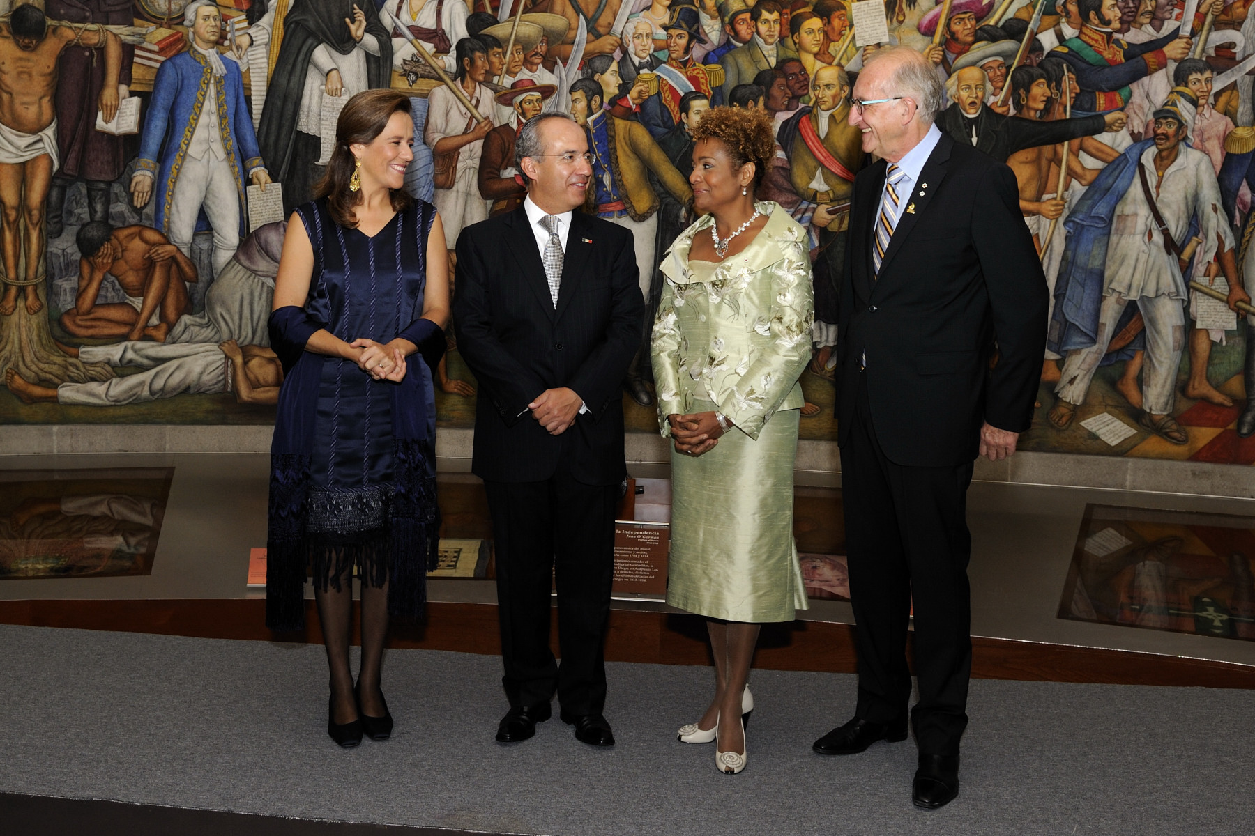 Their Excellencies the Right Honourable Michaëlle Jean, Governor General of Canada, and her husband Jean-Daniel Lafond were welcomed by His Excellency Felipe Calderón Hinojosa, President of the United Mexican States, and his wife, Margarita Zavala, upon their arrival at the Chapultepec Castle in Mexico City.