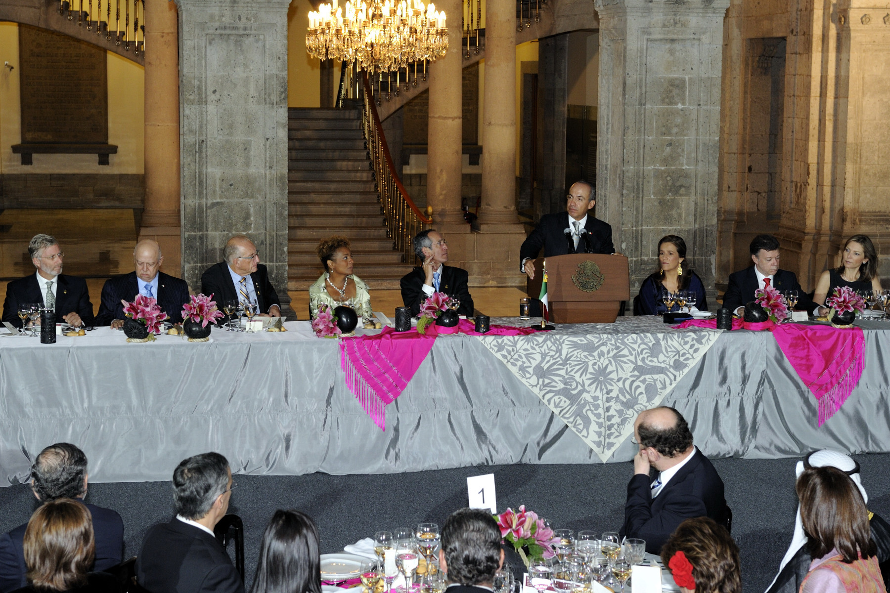 His Excellency Felipe Calderón Hinojosa delivered a speech at the official dinner hosted in honour of the bicentennial of the independence of the United Mexican States and the centennial of its revolution.
