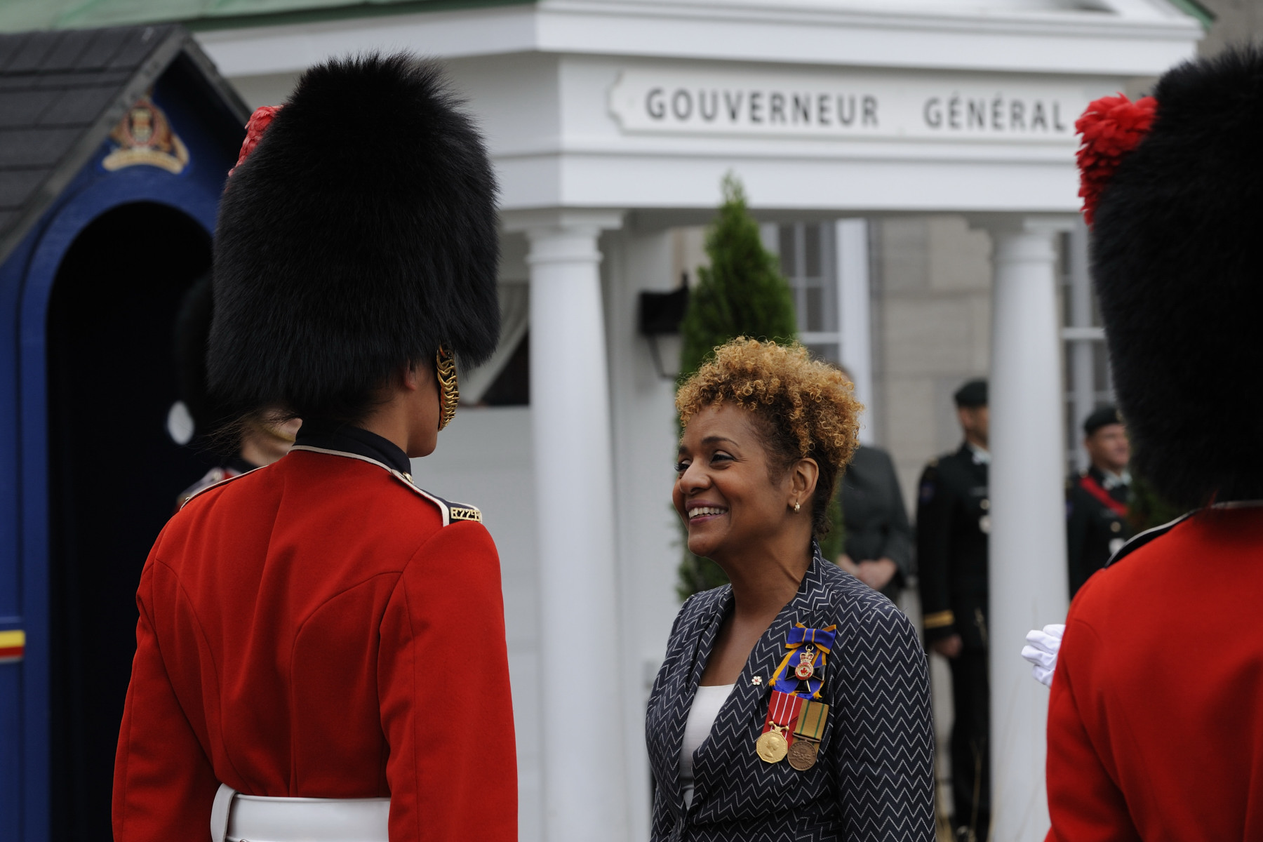 Upon her arrival, the Governor General conducted the inspection of the guard of honour.