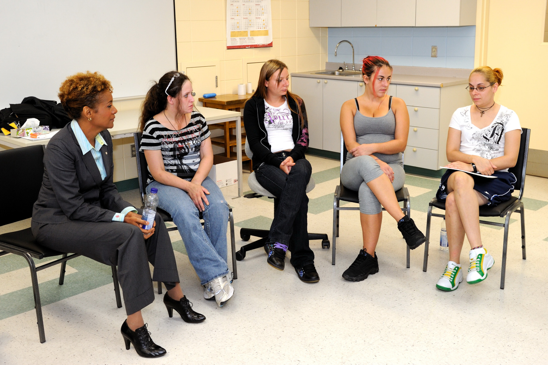 She visited the establishment's women's wing and had a discussion with women detainees.