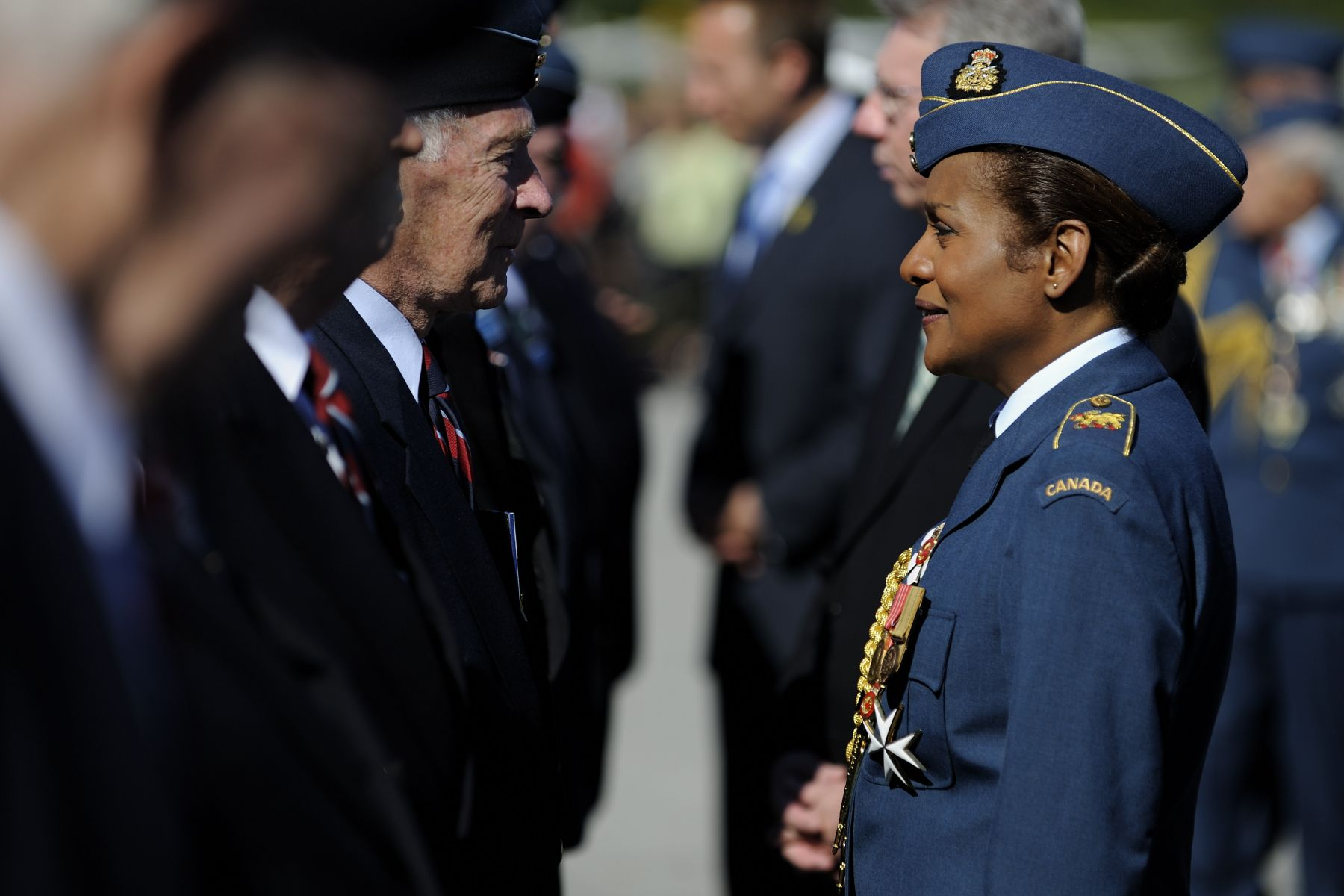 It was the first time that Her Excellency wore the Air Force uniform.