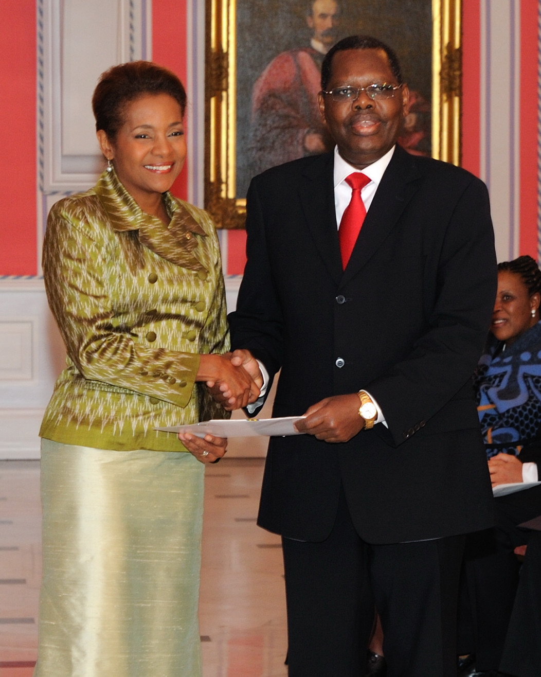Her Excellency the Right Honourable Michaëlle Jean, Governor General of Canada, received the credentials of His Excellency Alex Crescent Massinda, High Commissioner designate of the United Republic of Tanzania.