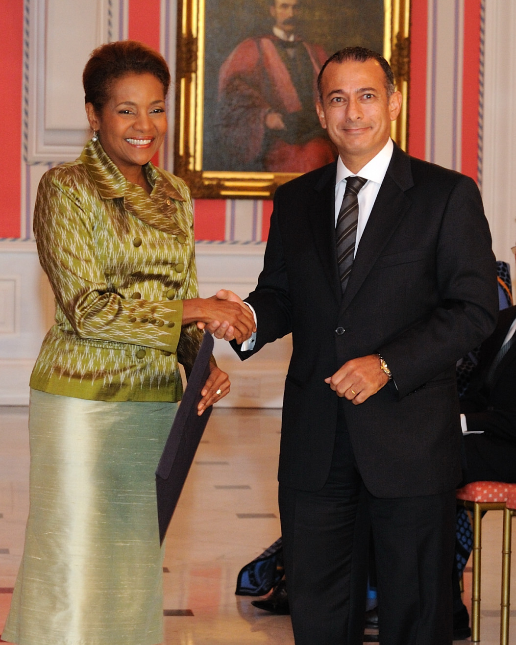 Her Excellency the Right Honourable Michaëlle Jean, Governor General of Canada, received the credentials of His Excellency Wael Ahmed Kamal Aboul Magd, Ambassador-designate of the Arab Republic of Egypt.