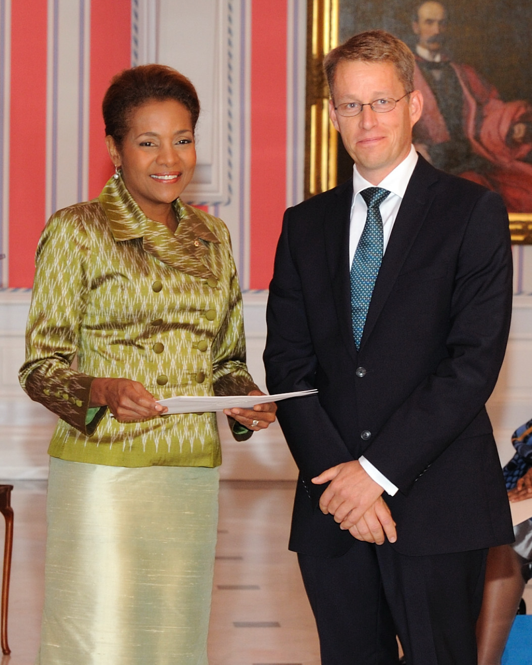 Her Excellency the Right Honourable Michaëlle Jean, Governor General of Canada, received the credentials of His Excellency Teppo Tauriainen, Ambassador-designate of the Kingdom of Sweden.