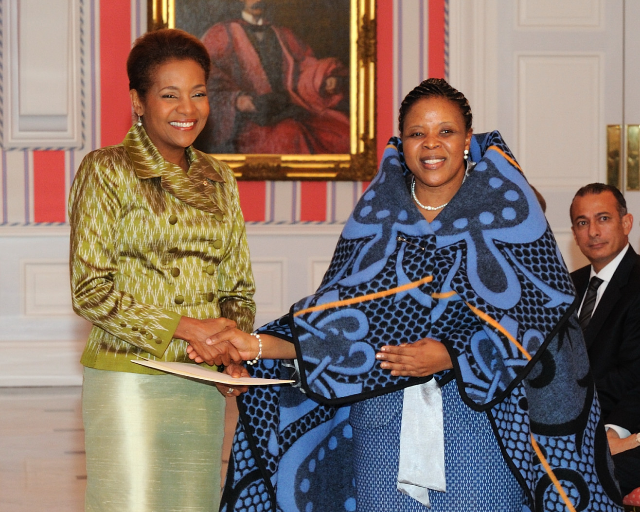 Her Excellency the Right Honourable Michaëlle Jean, Governor General of Canada, received the credentials of Her Excellency 'Mathabo Tsepa, High Commissioner Designate of the Kingdom of Lesotho.