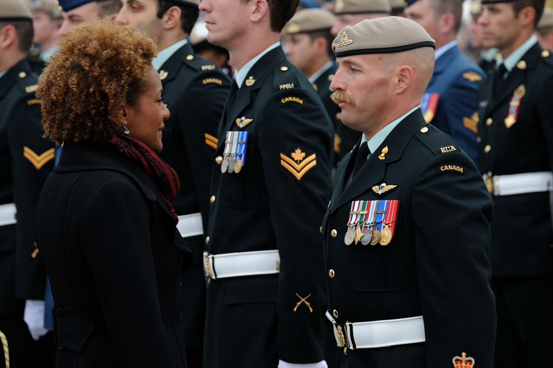 A military parade composed of 250 Canadian Forces members were on hand to bid farewell to their Commander-in-Chief. Her Excellency spoke with Warrent Officer Allen.