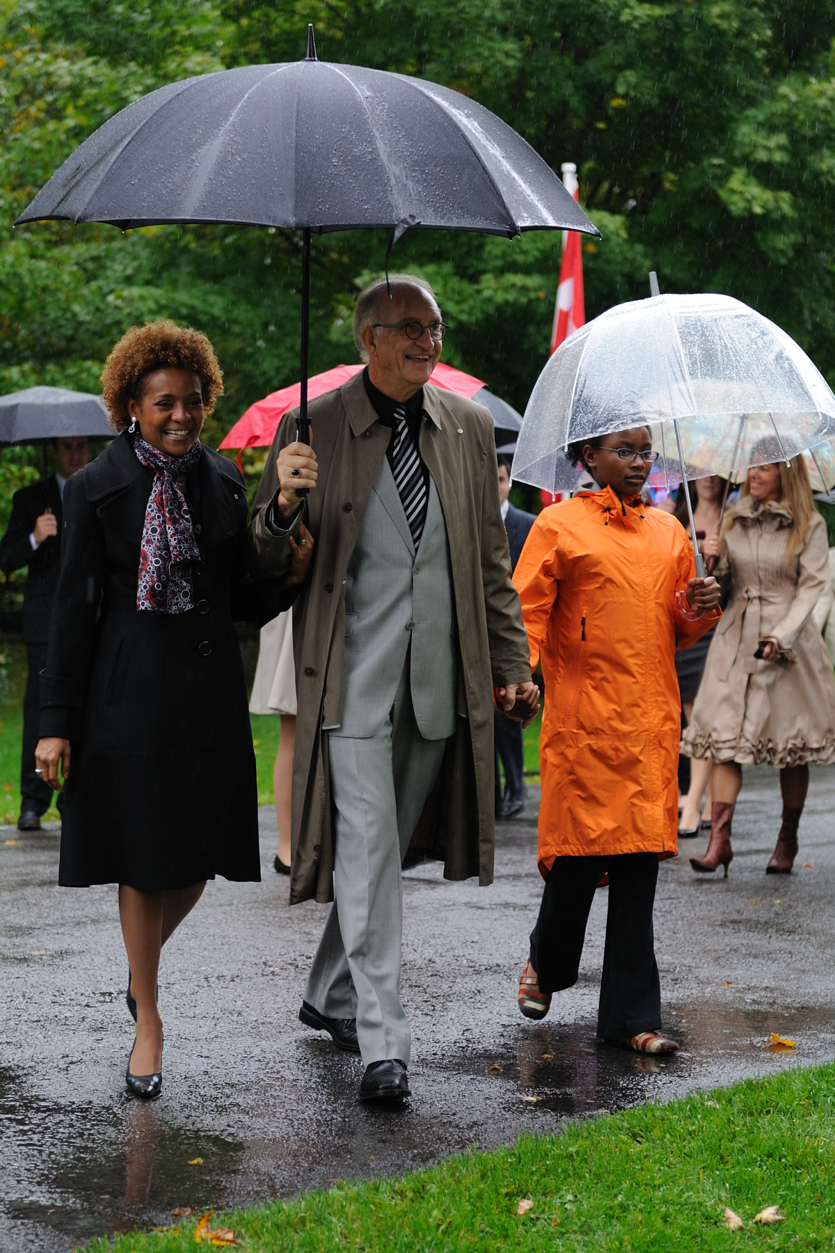 Their Excellencies the Right Honourable Michaëlle Jean, Governor General of Canada, and Mr. Jean-Daniel Lafond, accompanied by their daughter, Marie-Éden, participated in a tree planting ceremony to commemorate the end of their mandate. The event was held at Rideau Hall on September 30, 2010.