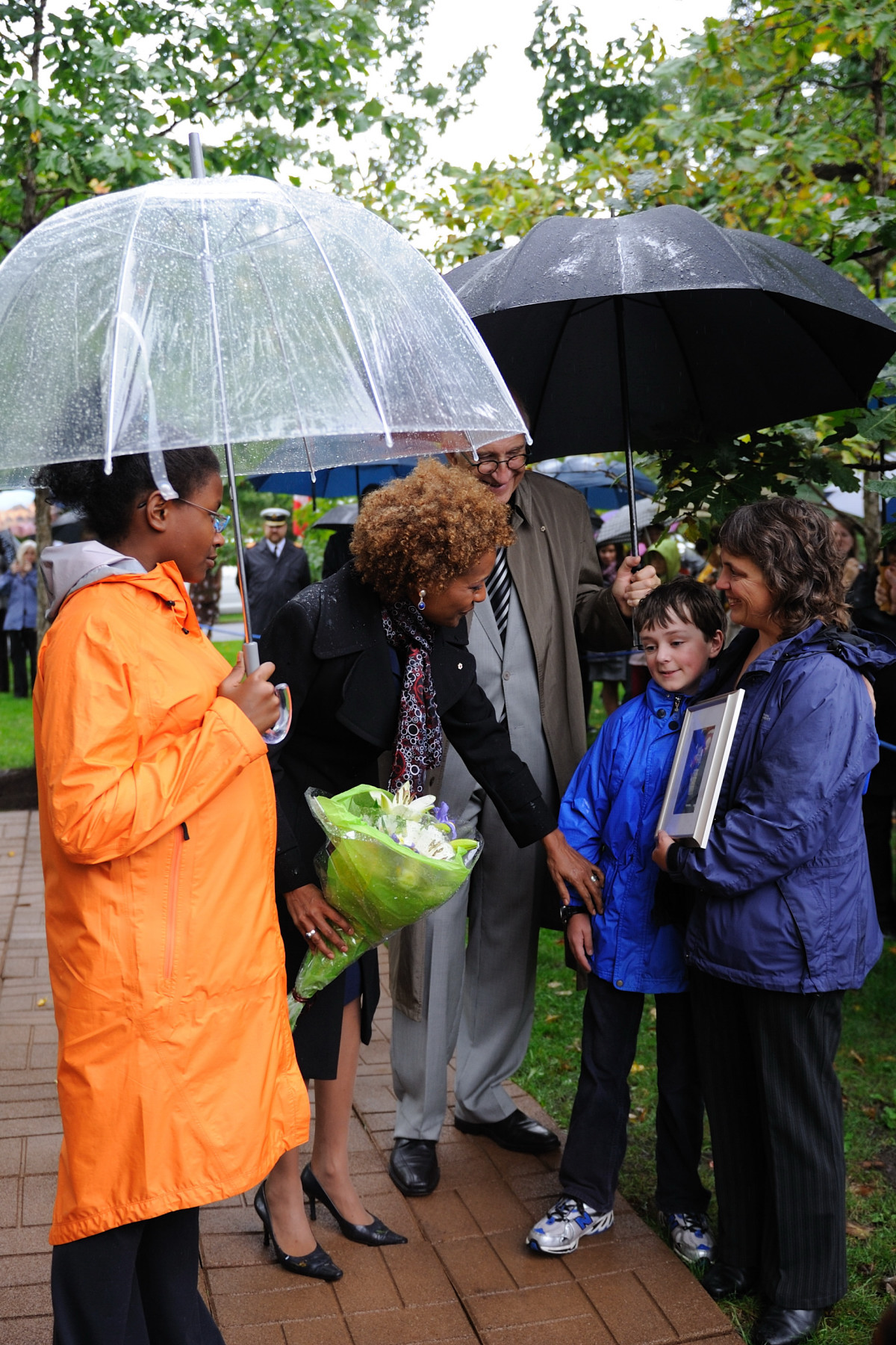 Their Excellencies and Marie-Éden spoke with members of the public who came to witness the tree planting ceremony.