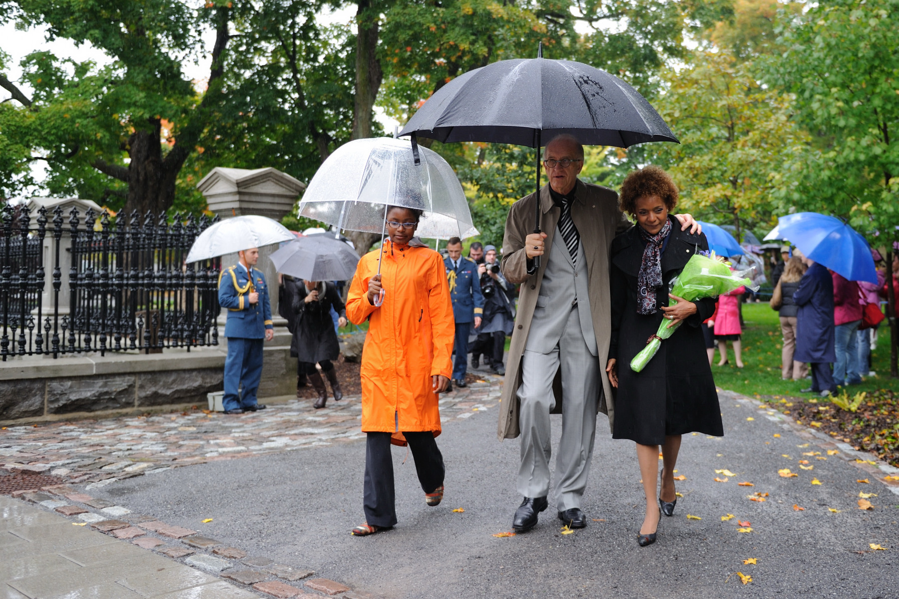 Their Excellencies and Marie-Éden leave the grounds as the mandate of the 27th Governor General of Canada officially comes to a close on October 1, 2010.