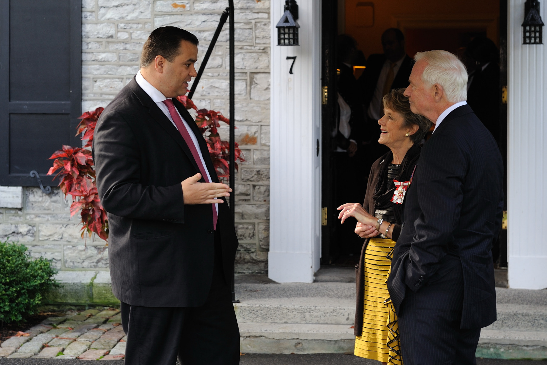 Before leaving for Parliament, Their Excellencies met the Honourable James Moore, Minister of Canadian Heritage, at 7 Rideau Gate.