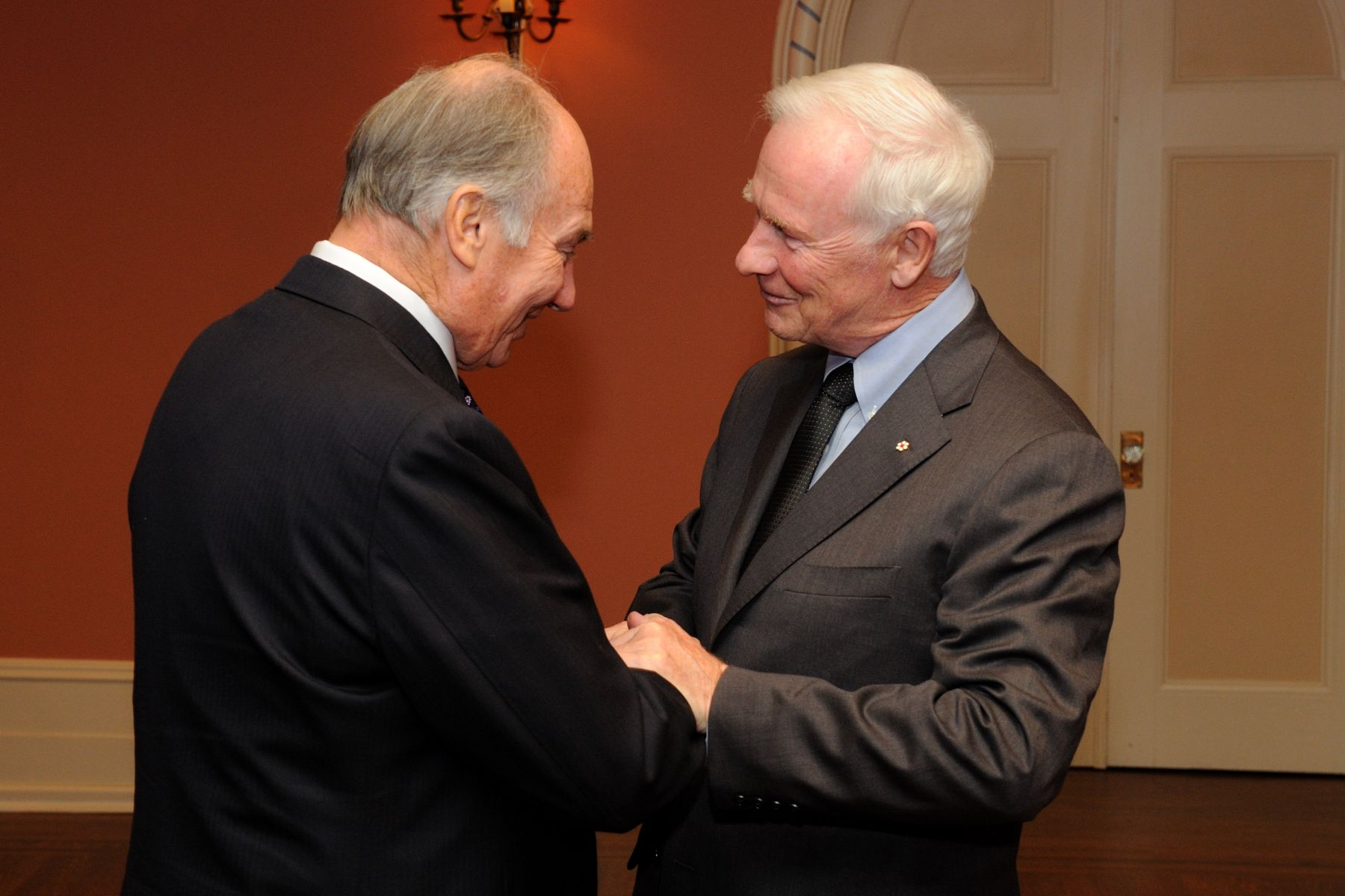 His Excellency the Right Honourable David Johnston welcomed His Highness the Aga Khan at Rideau Hall.