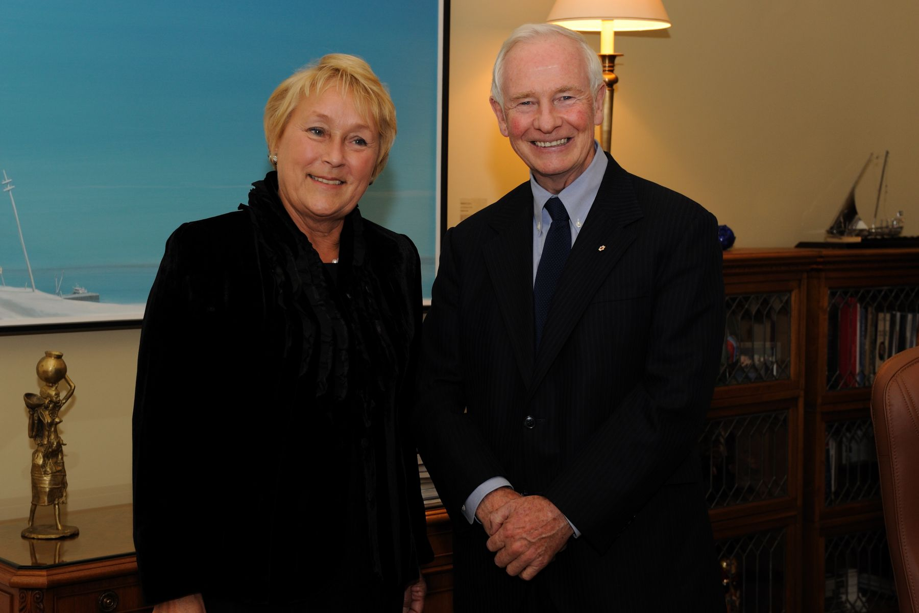 Furthermore, the Governor General met Pauline Marois, Quebec's Leader of the Official Opposition