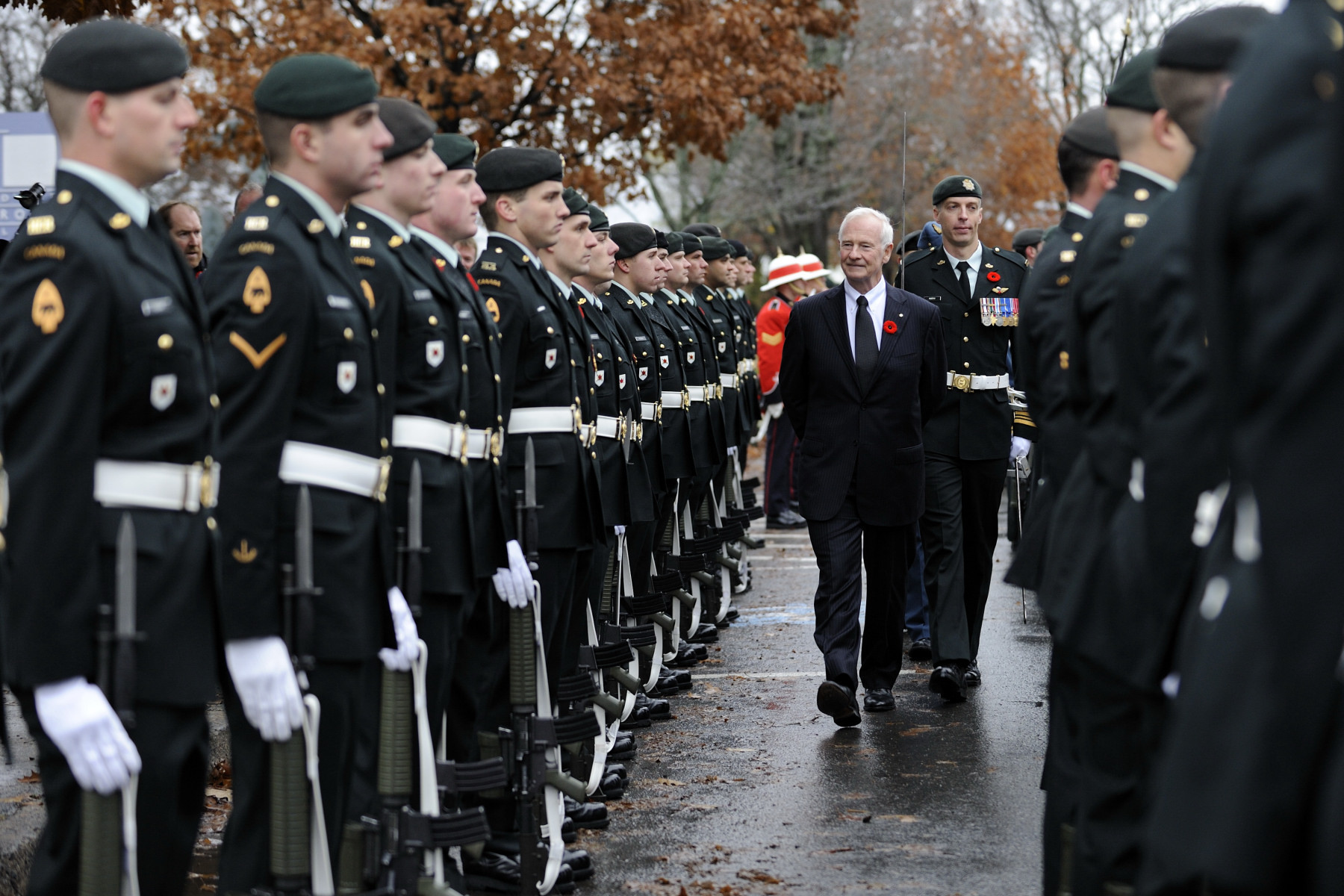 His Excellency also conducted the inspection of the guard of honour.