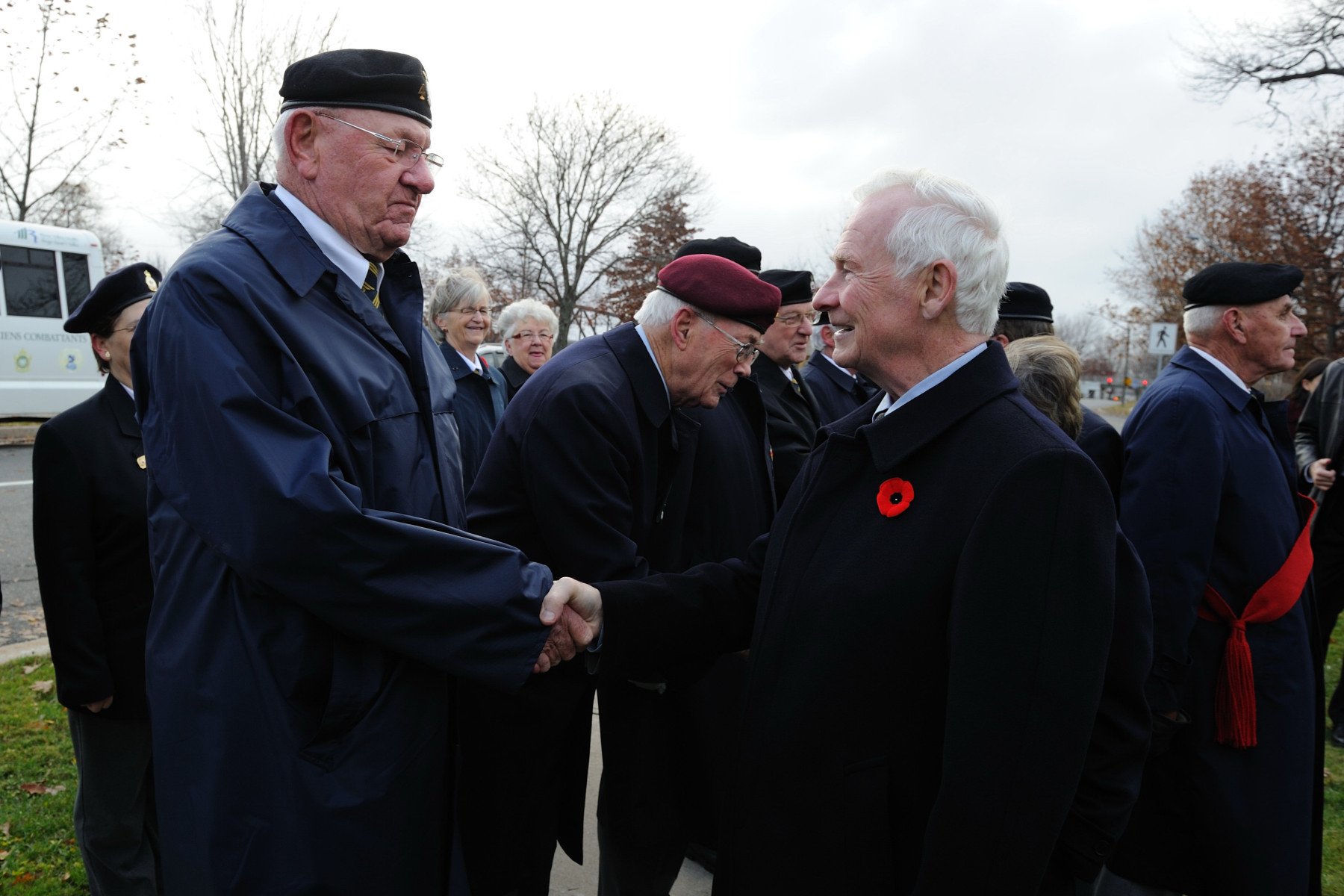 His Excellency also took the opportunity to meet and speak with veterans who were on site.