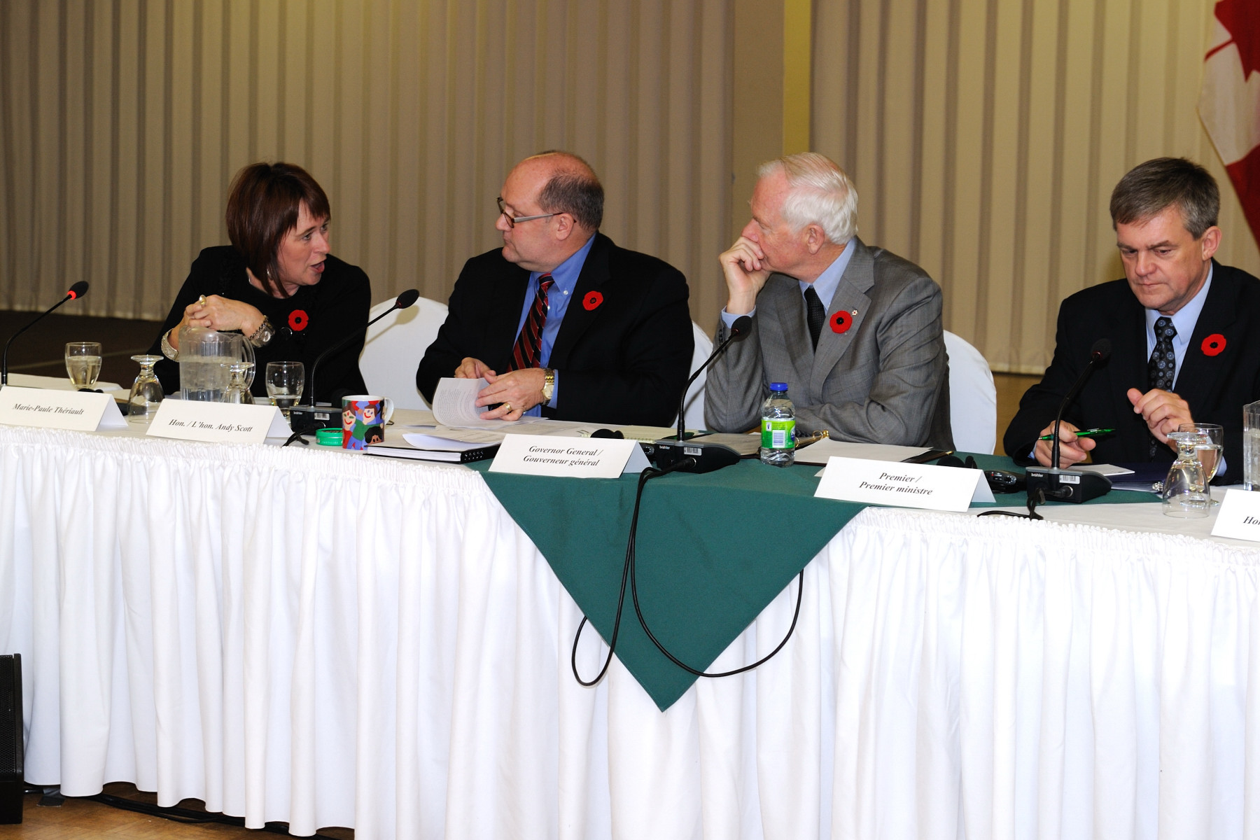 His Excellency attended the discussion launching Learning: Everybody's Project.  The initiative invited New Brunswickers to participate in a public discussion on the value of learning at all stages of life; the roles of government, community, family and individuals in nurturing a learning society; and the actions that can be taken collectively to actively embrace a learning culture.