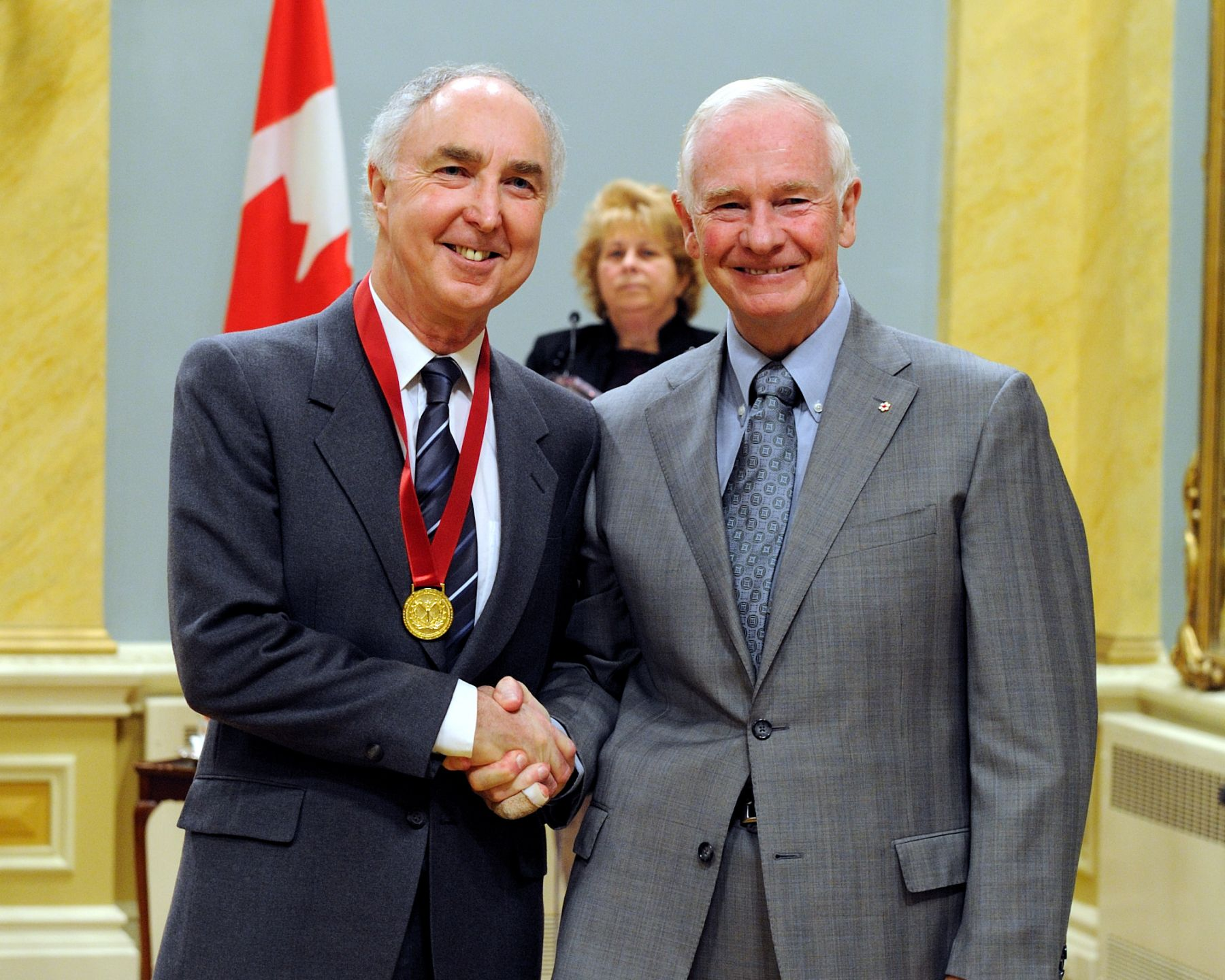 His Excellency the Right Honourable David Johnston, Governor General of Canada, presented the Governor General's Awards for Excellence in Teaching Canadian History to eight teachers during a ceremony at Rideau Hall. Mr. Daniel Conner from Rockridge Secondary School in West Vancouver, British Columbia received the award from His Excellency.