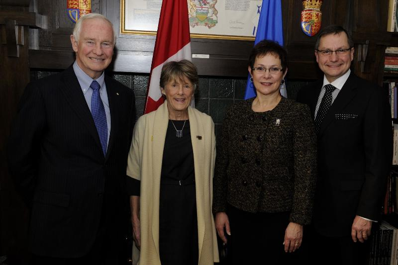 Their Excellencies the Right Honourable David Johnston, Governor General of Canada, and Mrs Sharon Johnston met with the Honourable Ed Stelmach, Premier of Alberta, and Mrs. Marie Stelmach at Alberta's Government House.