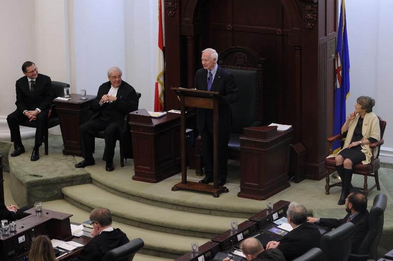 The Governor General, accompanied by his wife Her Excellency Mrs. Sharon Johnston, delivered an address to the 83 members of the Legislative Assembly.