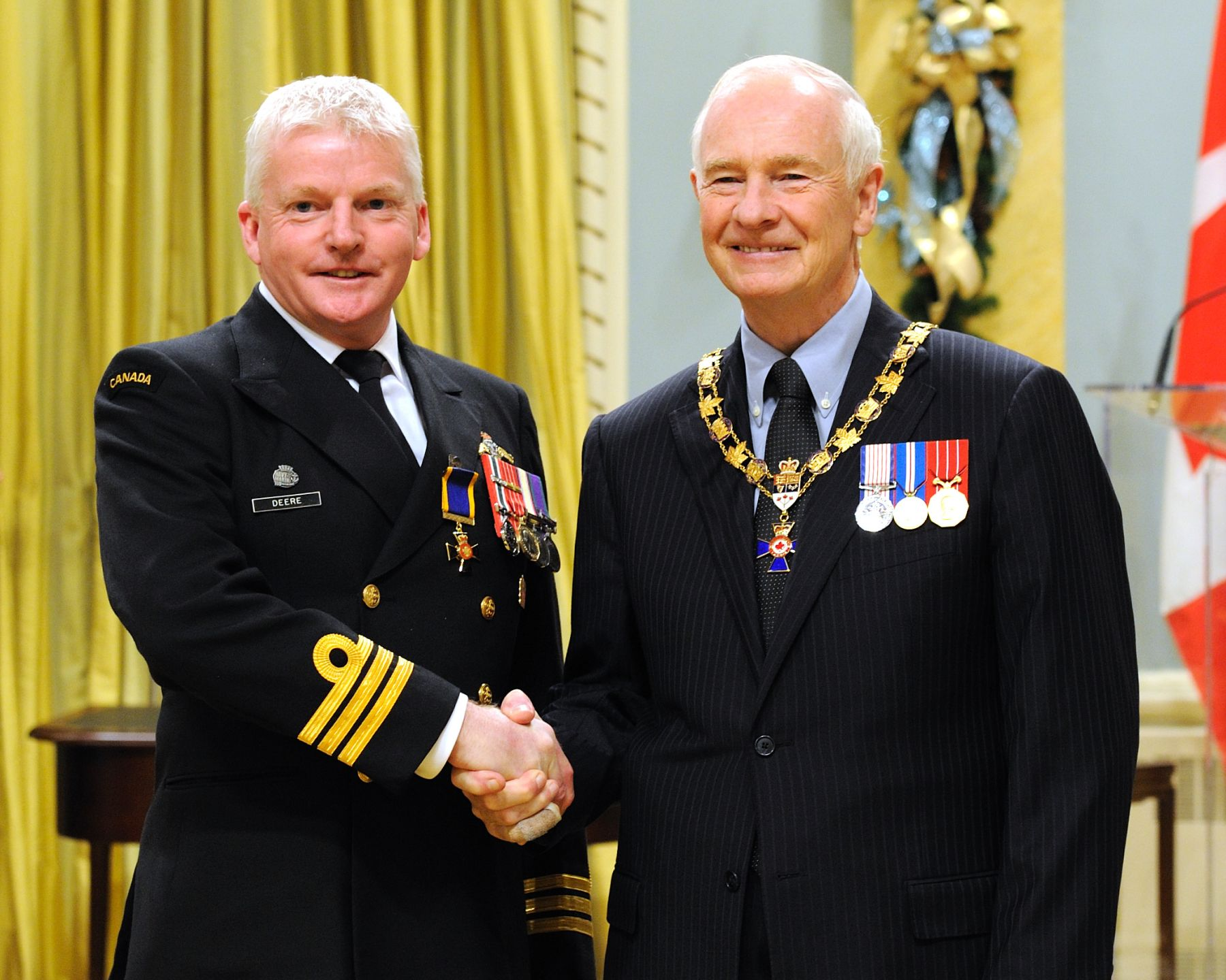His Excellency presented the Order of Military Merit at the Officer level (O.M.M.) to Commander Christopher Deere, O.M.M., C.D., National Defence Headquarters, Chief of the Maritime Staff, Ottawa, Ontario.
