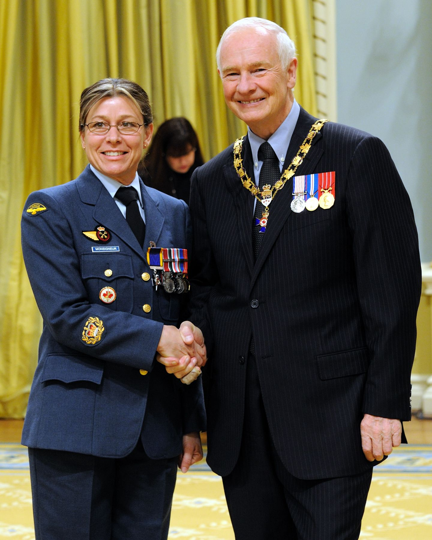 His Excellency presented the Order of Military Merit at the Member level (M.M.M.) to Master Warrant Officer Carol Monsigneur, M.M.M., C.D., Canadian Forces Leadership and Recruit School, Richelain, Quebec.