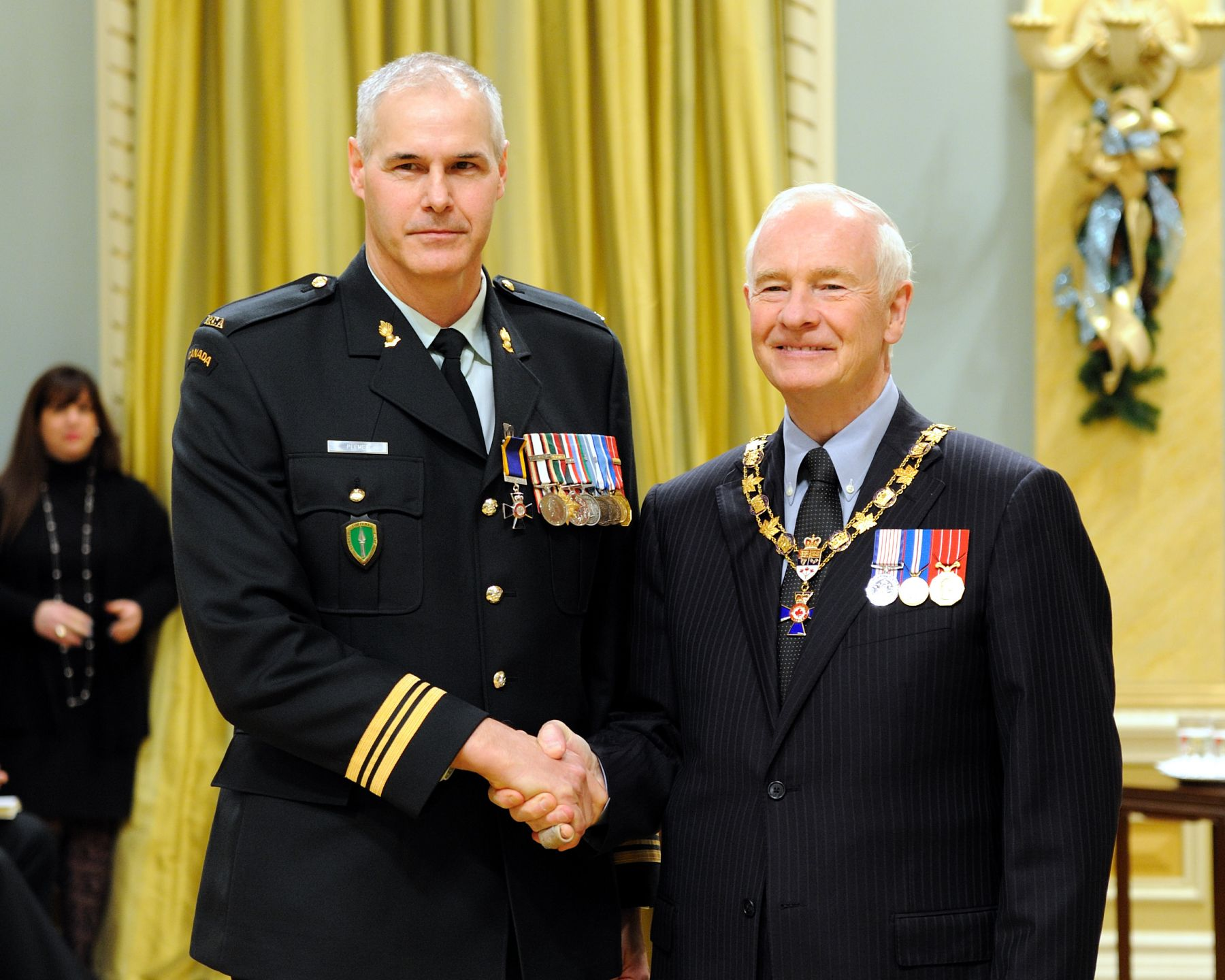 His Excellency presented the Order of Military Merit at the Member level (M.M.M.) to Captain Lorne Plemel, M.M.M., C.D., 4th Air Defence Regiment Royal Canadian Artillery, Moncton, New Brunswick.