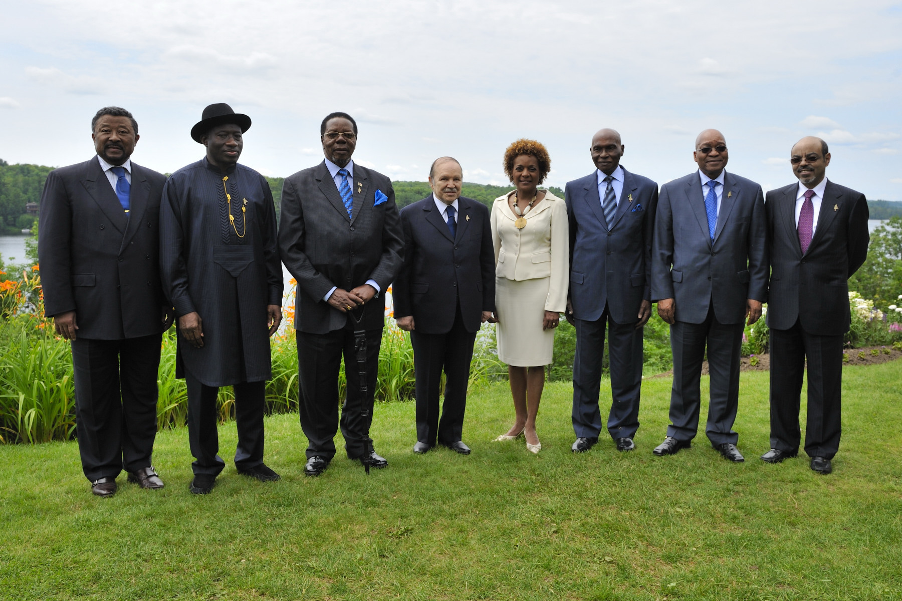 The Governor General hosted a working luncheon in Huntsville to welcome the following African leaders to Canada: Abdelaziz Bouteflika, President of the People's Democratic Republic of Algeria; Abdoulaye Wade, President of the Republic of Senegal; Bingu wa Mutharika, President of the Republic of Malawi and Chairperson of the African Union;  Jacob Gedleyihlekisa Zuma, President of the Republic of South Africa; Dr. Goodluck Ebele Jonathan, President and Grand Commander of the Federal Republic of Nigeria; Ato Meles Zanawi, Prime Minister of the Federal Democratic Republic of Ethiopia and Chair of the New Partnership for Africa's Development (NEPAD); Dr. Jean Ping, Chairperson of the African Union Commission.
