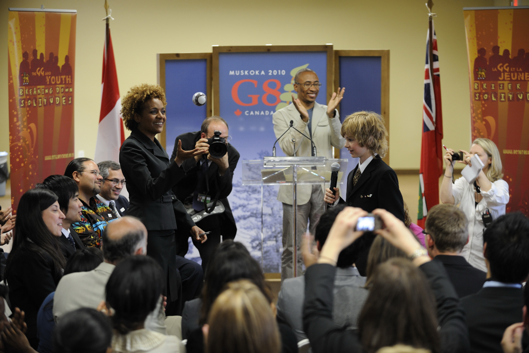 One of the young participates gave a ball to the Governor General.