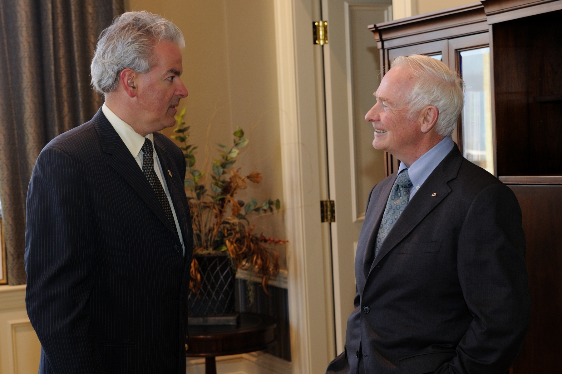 His Excellency the Right Honourable David Johnston, Governor General of Canada, conducted a one-day visit to the Eastern Townships of Quebec during which he met with His Worship Bernard Sévigny, Mayor of Sherbrooke.