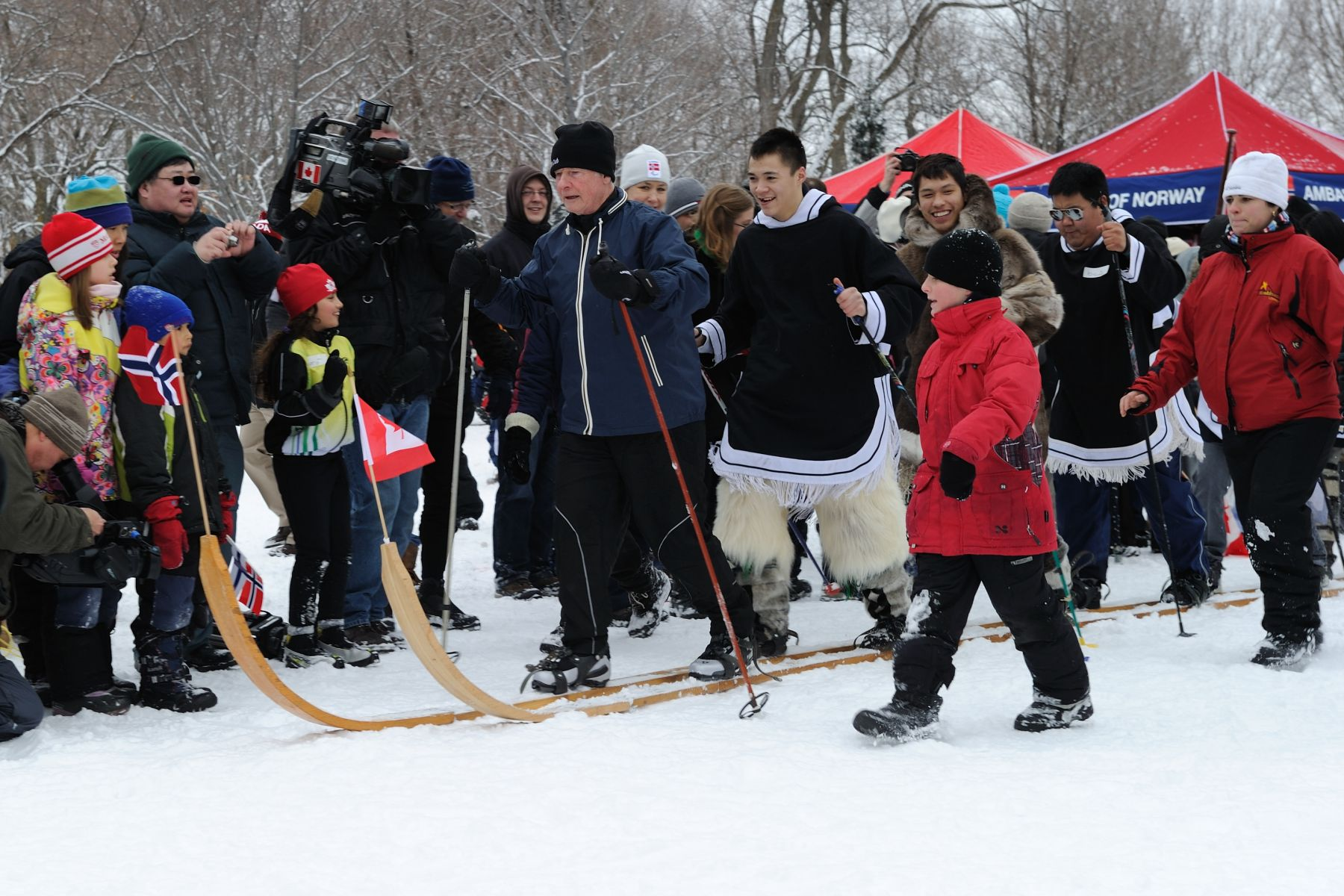 His Excellency participated in the Giant Ski Race, presented by the Royal Norwegian Embassy. During this friendly competition, the Governor General competed against none other than His Excellency Else Berit Eikeland, Ambassador of Norway; His Excellency Teppo Tauriainen, Ambassador of Sweden; His Excellency Risto Piipponen, Ambassador of Finland; 