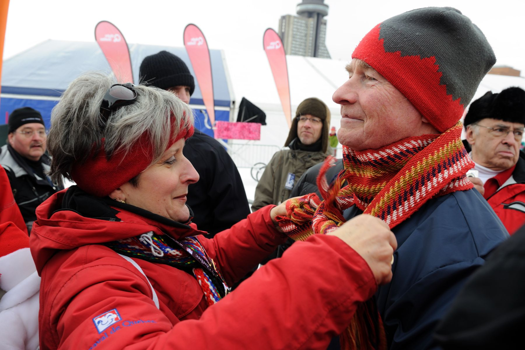 Gisèle Gourdeau from the Québec Winter Carnival gave the festival's famous scarf to His Excellency.
