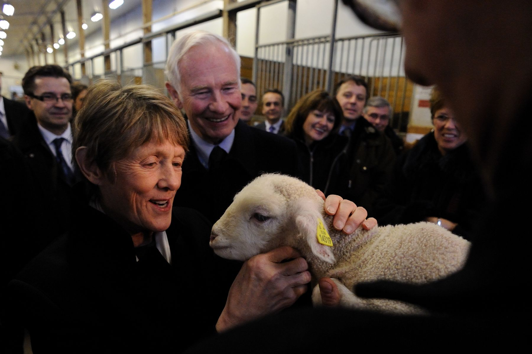 Her Excellency Mrs. Sharon Johnston had the pleasure of petting a lamb.