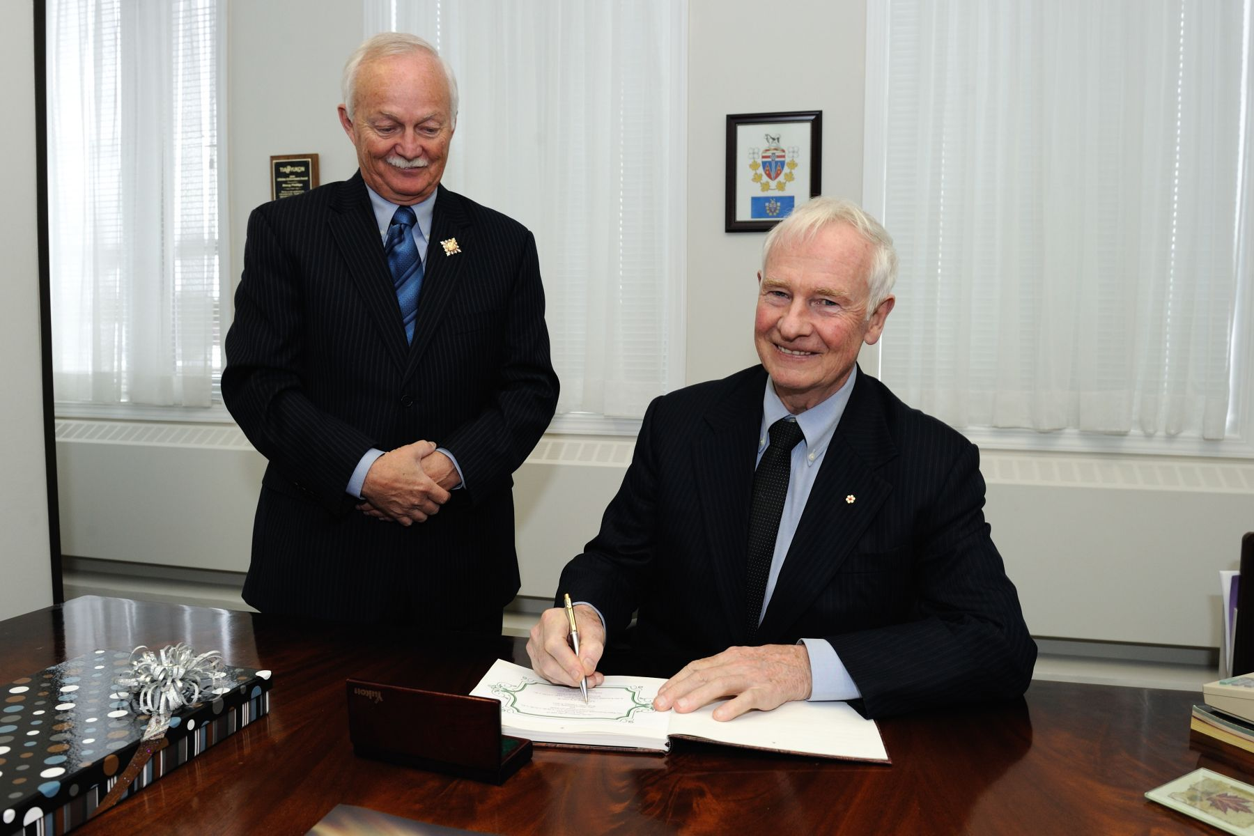 Upon his arrival in Whitehorse, His Excellency the Right Honourable David Johnston, Governor General of Canada, met with the Honourable Douglas George Phillips, Commissioner of Yukon.