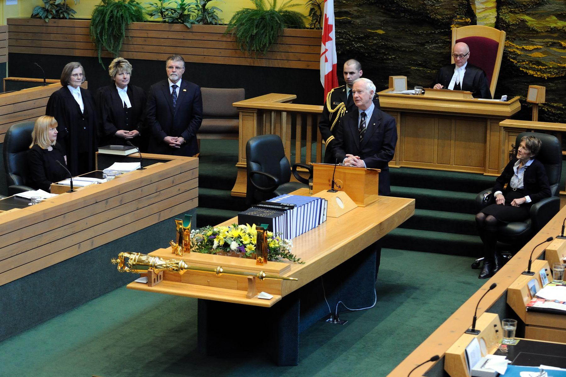 His Excellency met with members of the Legislative Assembly and delivered a speech.