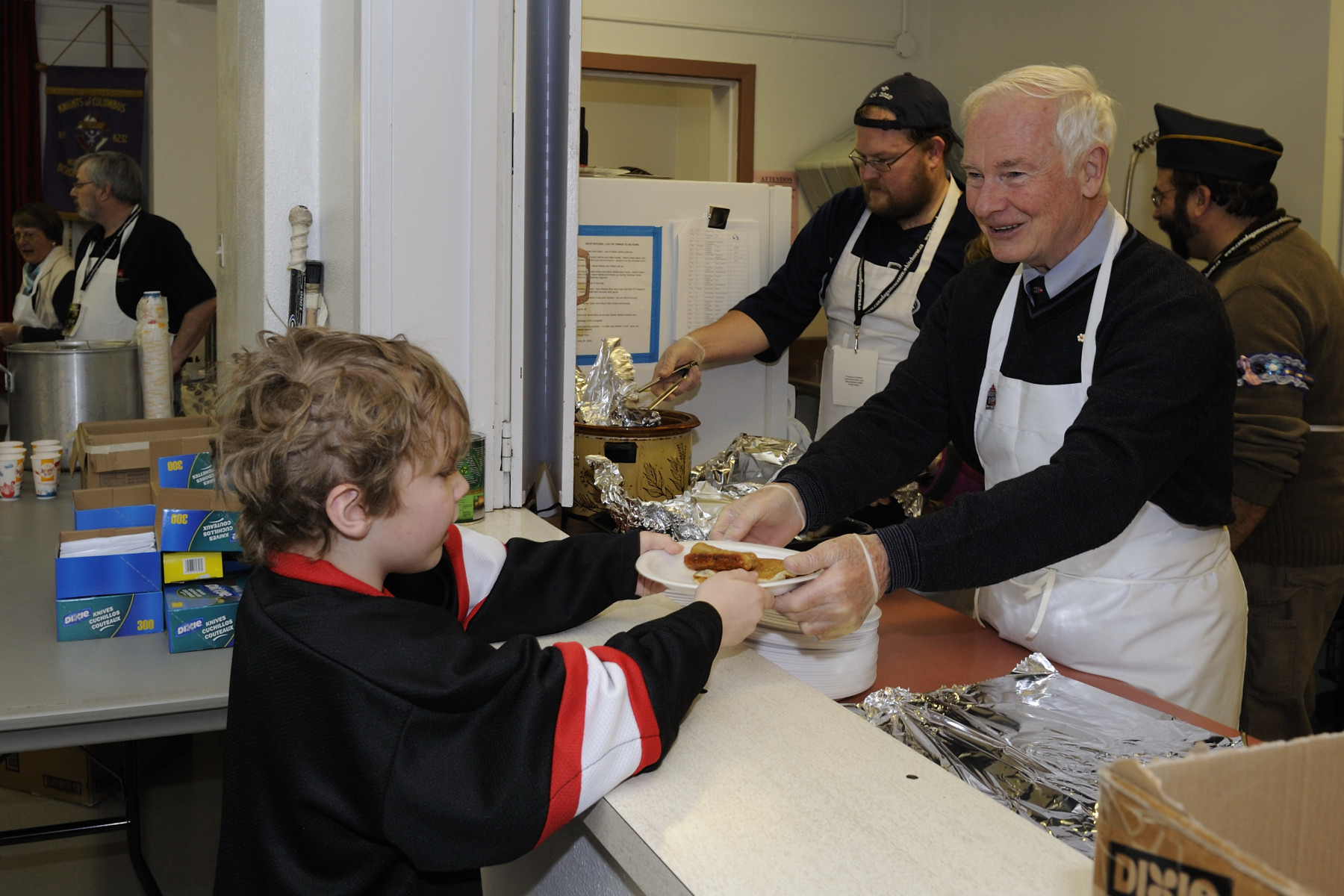 His Excellency was thrilled to serve breakfast to young hockey players participating in the activities presented as part of Hockey Day in Canada. The breakfast was organized by the Knights of Columbus.