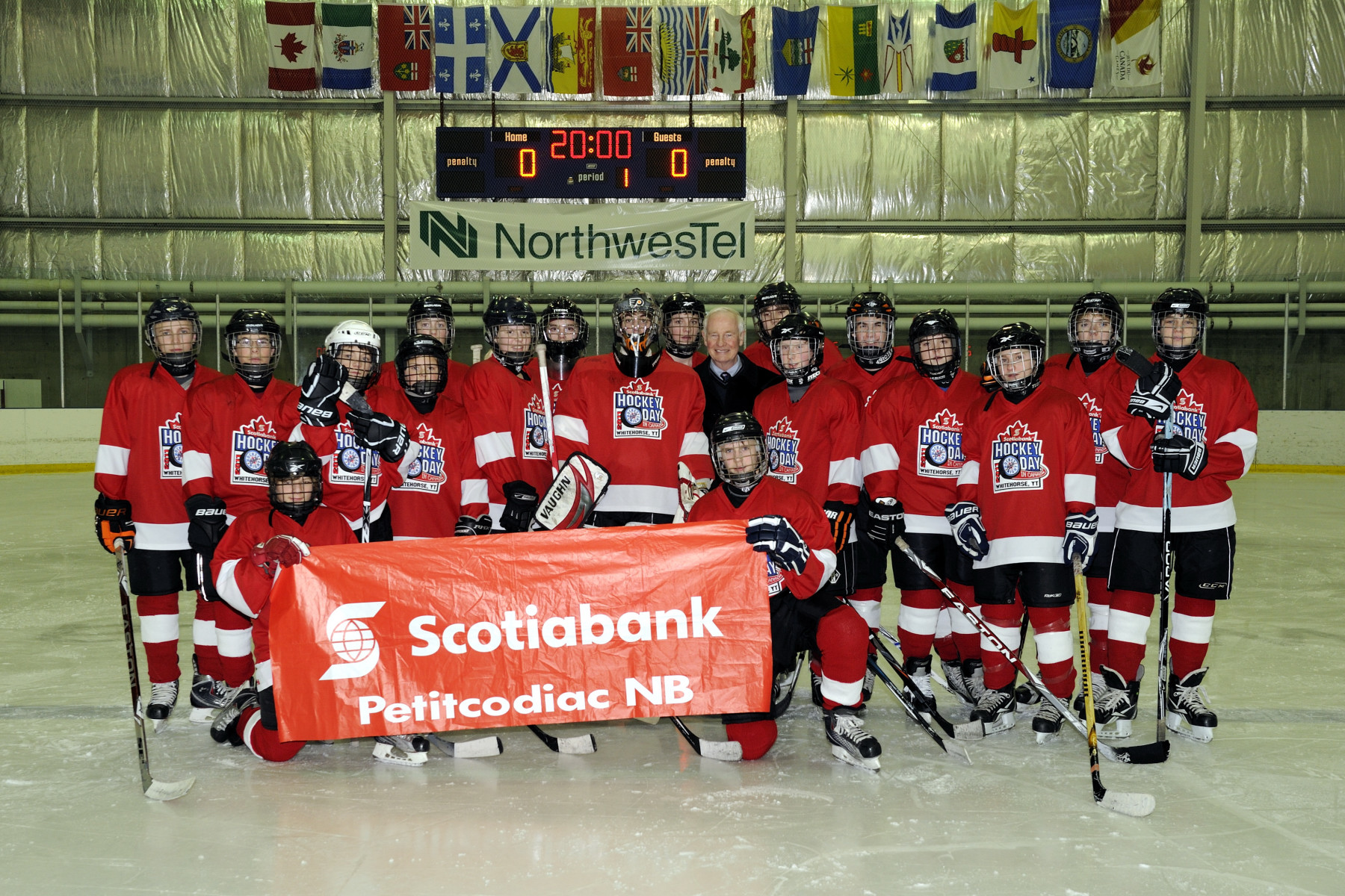 "The Governor General met with players from the Petitcodiac-Salisbury Flyers, Bantam A Division, in New Brunswick, who won the ""Big Save"" Hockey Game Contest."
