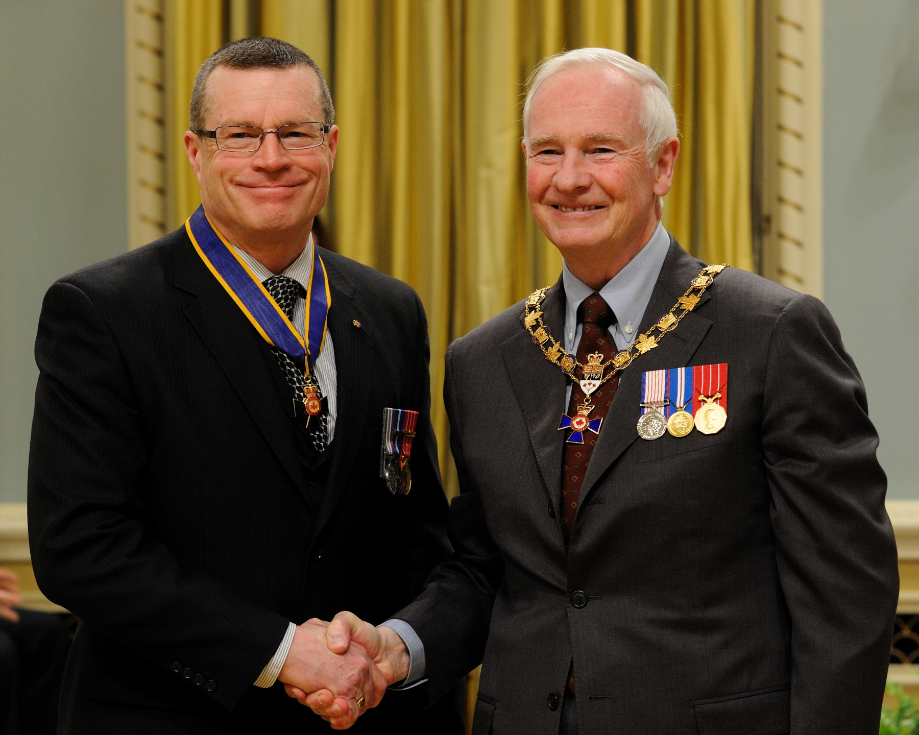 His Excellency presented the Order of Military Merit at the Commander level (C.M.M.) to Brigadier-General David Kettle, C.M.M., C.D., Chaplain General, Ottawa, Ontario.