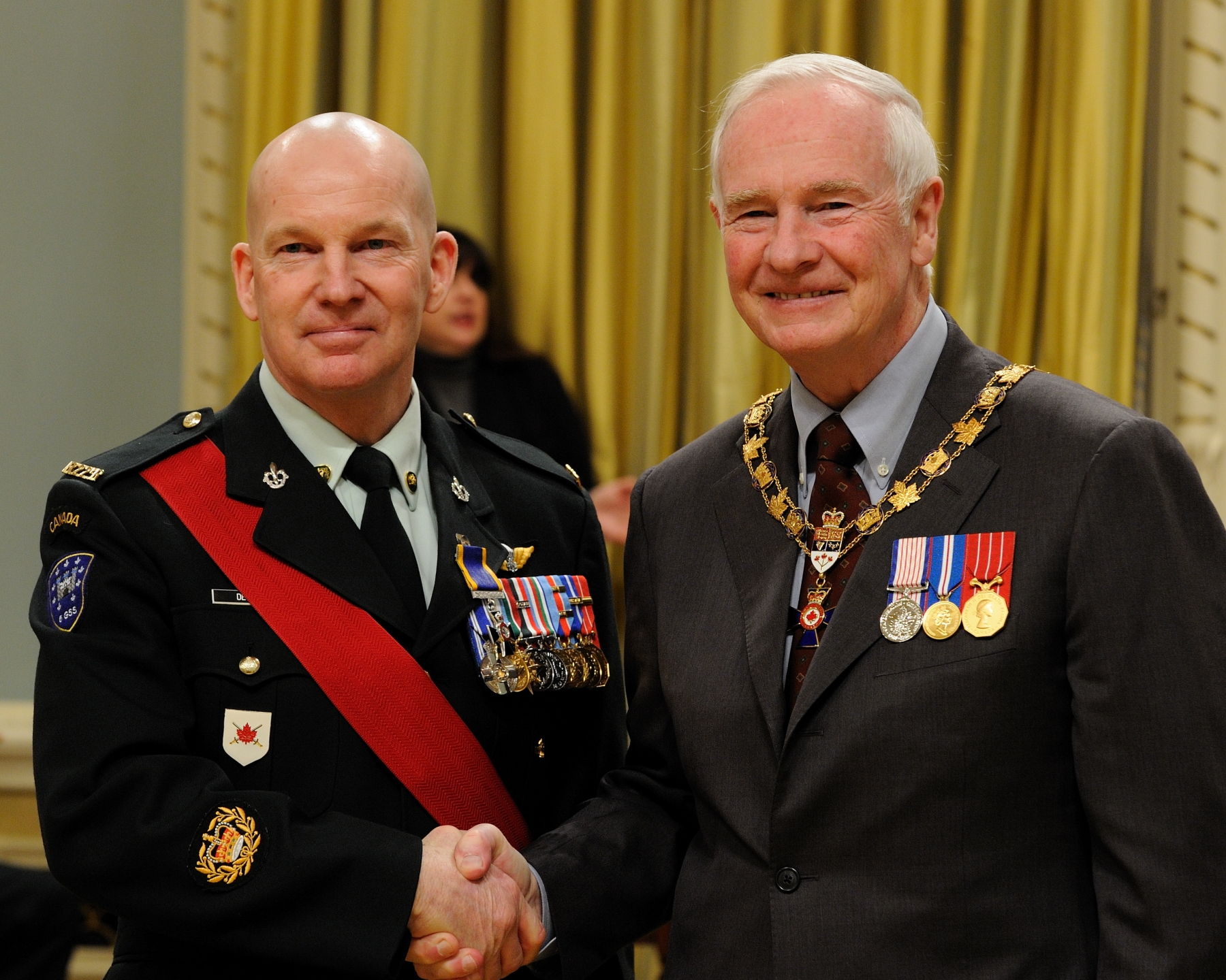 His Excellency presented the Order of Military Merit at the Member level (M.M.M.) to Master Warrant Officer André Demers, M.M.M., M.S.M., C.D., Canadian Forces Base/Area Support Unit Montreal, Montréal, Quebec.