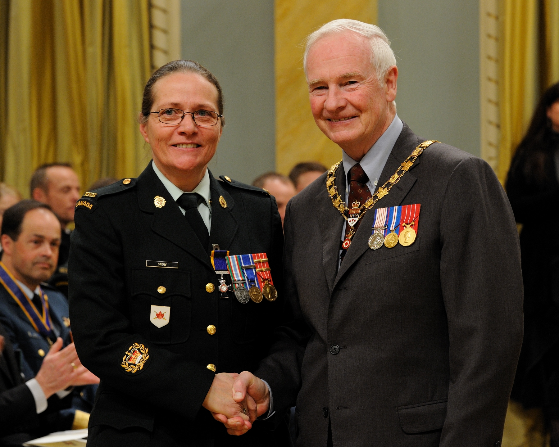 His Excellency presented the Order of Military Merit at the Member level (M.M.M.) to Master Warrant Officer Carol Snow, M.M.M., C.D., Land Staff Headquarters, Ottawa, Ontario.