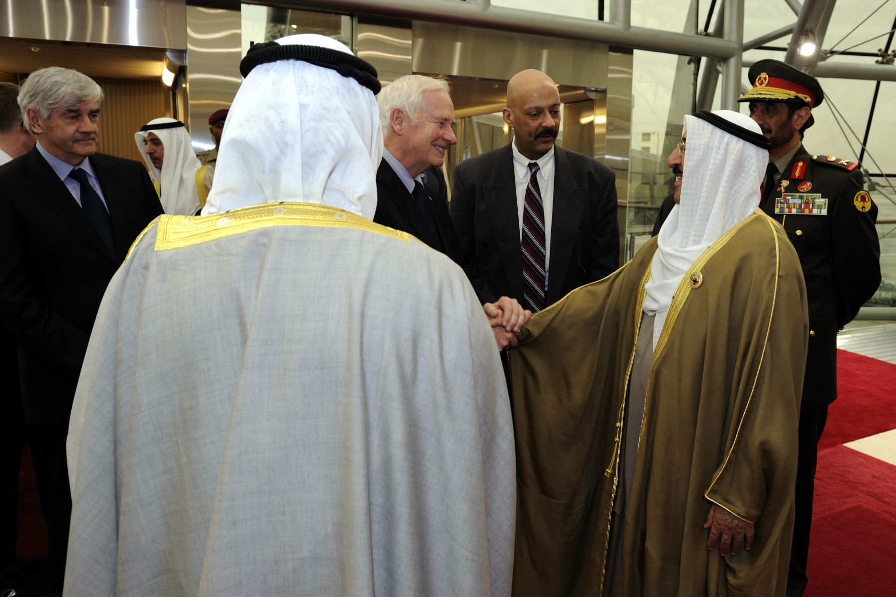 The Governor General arrived at the Kuwait International Aiport on February 25, 2011, and was greeted by His Highness Sheikh Sabah Al-Ahmad Al-Jaber Al-Sabah, the Amir of Kuwait.
