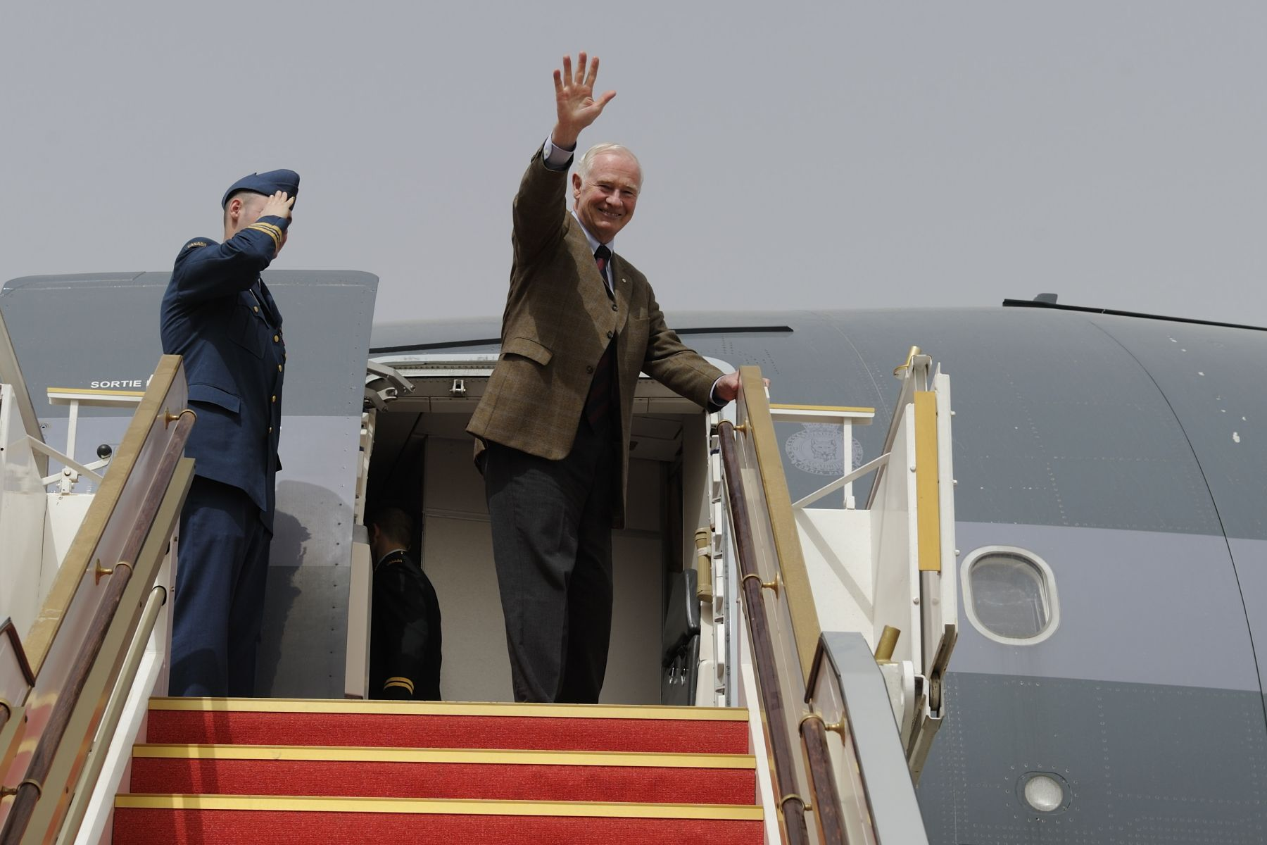 Their Excellencies departed Kuwait on February 27, 2011.