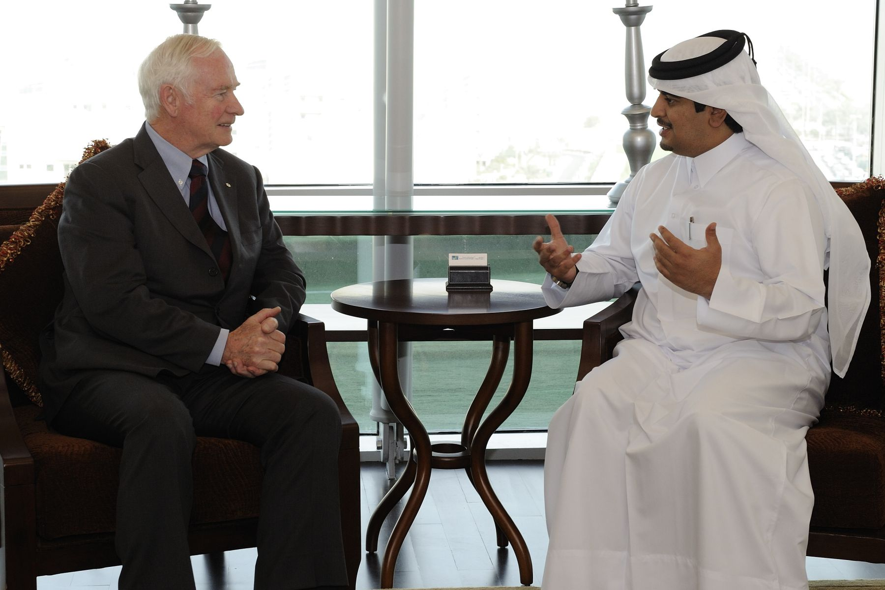 The Governor General met with His Excellency Abdulla bin Khalid Al-Khatani, Qatar's Minister of Health and Secretary General of the Supreme Council of Health. They shared thoughts on common values in both health care and education.