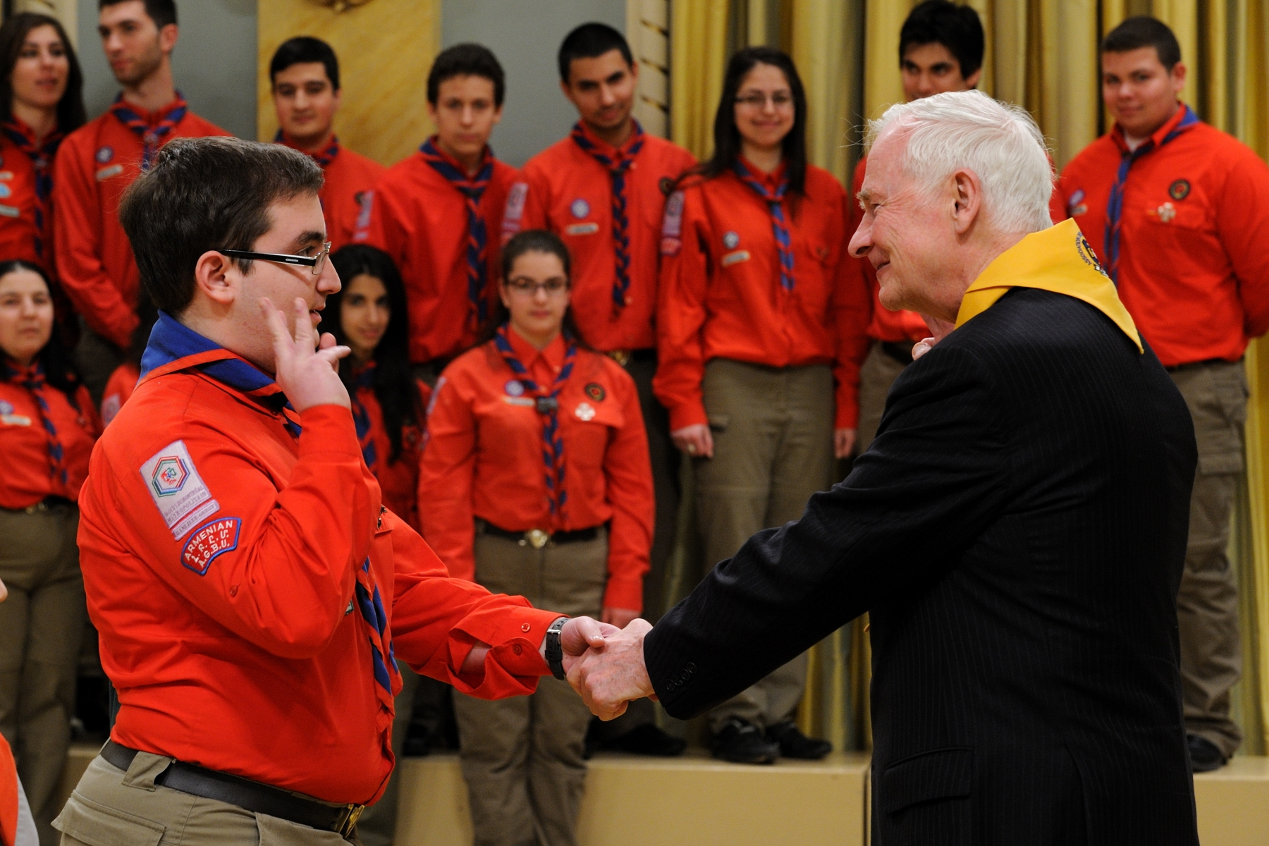 Mathew Shant Armutlu with the U.G.A.B. Troop received the badge Annapurna. The badge Annapurna is a national decoration of the Association des scouts du Canada, awarded to young pioneers for exceptional achievement. This distinction calls on scouts to challenge and surpass themselves. The badge is inspired by a team of French climbers, lead by Maurice Herzog, who in 1950, conquered the summit of Mount Annapurna , located more than 8000 meters in altitude in the Himalayas.