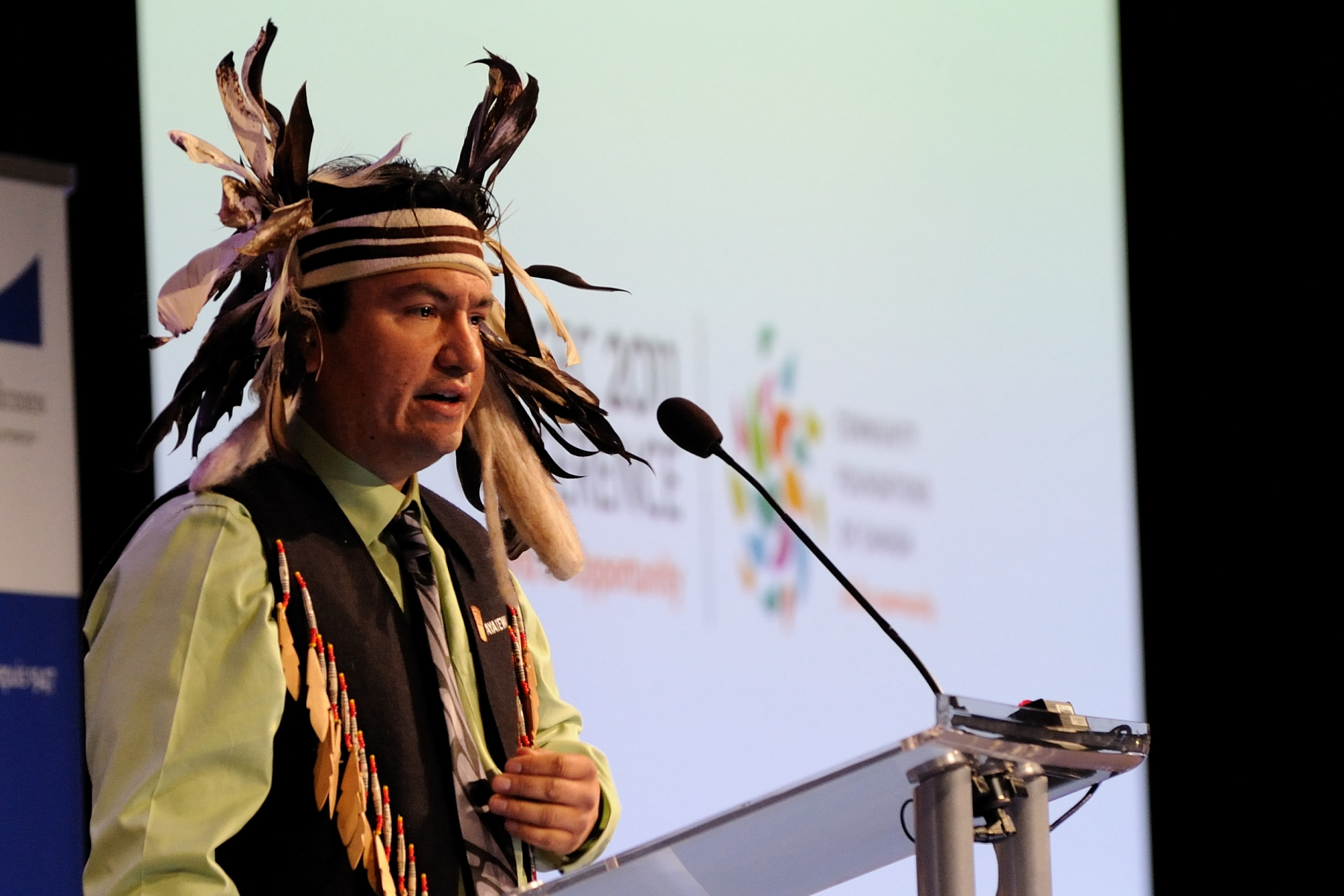 His Excellency the Right Honourable David Johnston, Governor General of Canada, delivered the opening address at the 2011 Community Foundations of Canada (CFC) Conference entitled A World of Opportunity. Chief Ian Campbell welcomed participants.