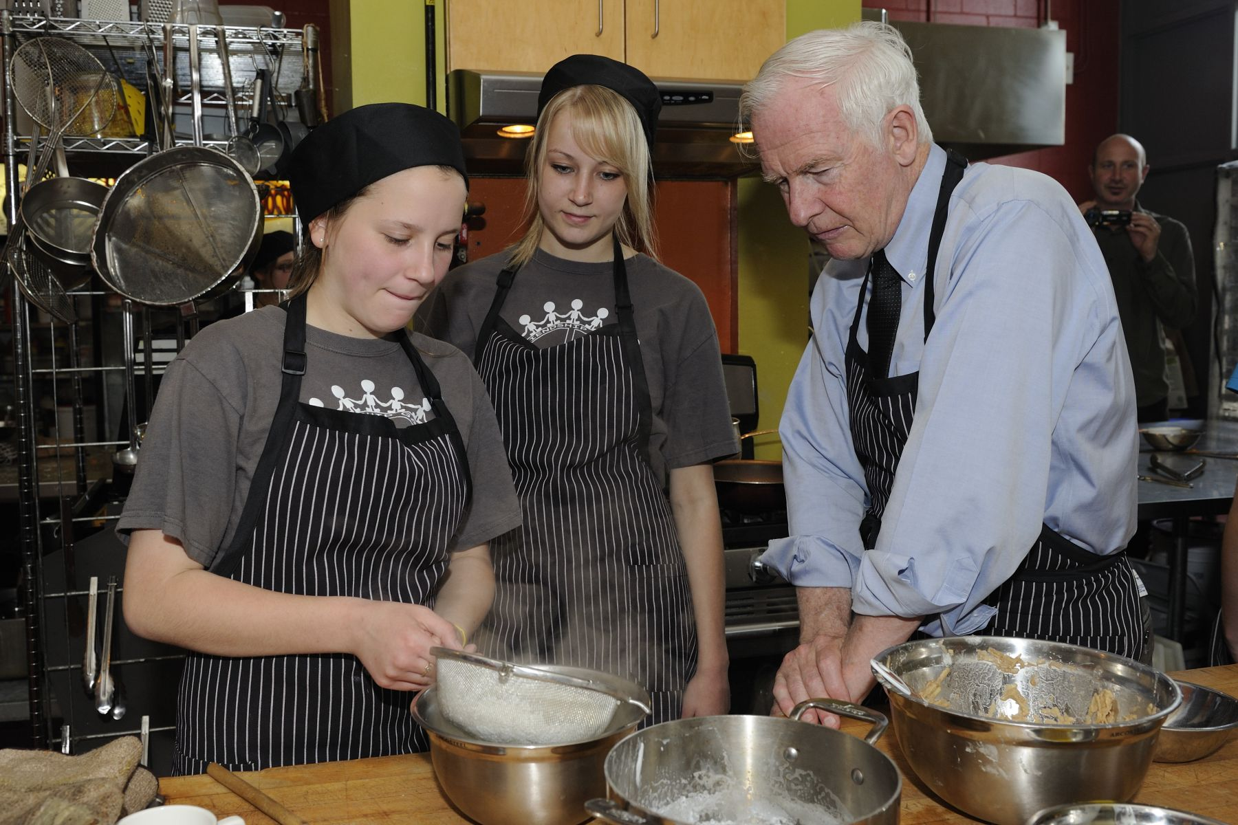 Their Excellencies joined students from Stratford Northwestern Secondary School for lunch at the Screaming Avocado Café, a part of the school's culinary arts program.
