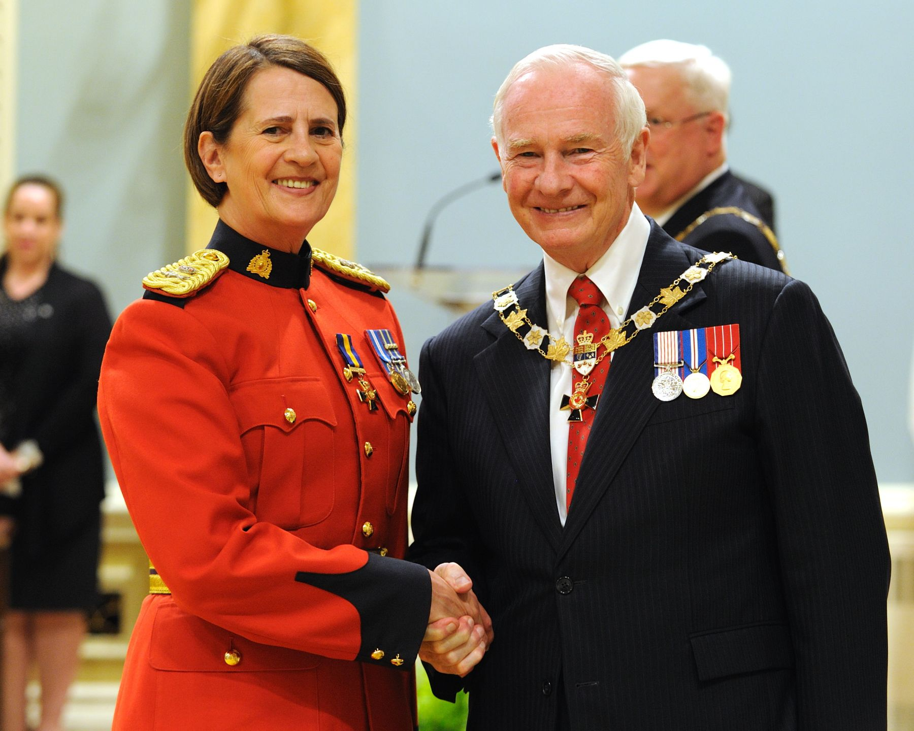 His Excellency presented the Order of Merit of the Police Forces at the Officer level (O.O.M.) to Assistant Commissioner Line Carbonneau, O.O.M., of the Royal Canadian Mounted Police, Westmount, Quebec.