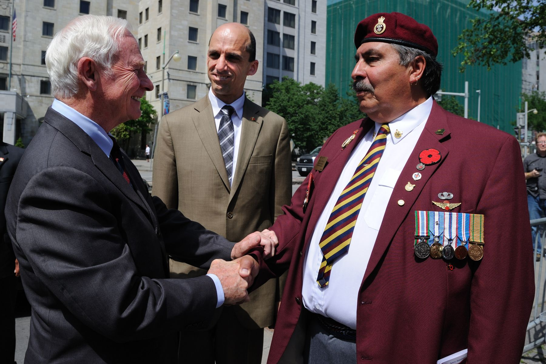 On the occasion of National Aboriginal Day, Their Excellencies participated in the 10th annual Ceremony of Remembrance at the National Aboriginal Veterans Monument in Ottawa. The Honourable Steven Blaney (middle), Minister of Veterans Affairs, also attended the ceremony.