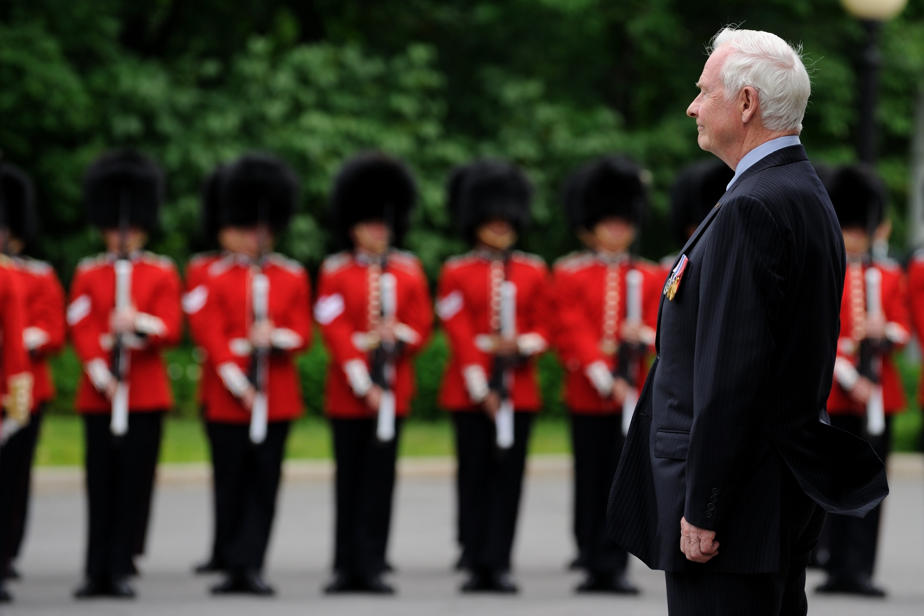 His Excellency the Right Honourable David Johnston, Governor General and Commander-in-Chief of Canada received the Viceregal salute.