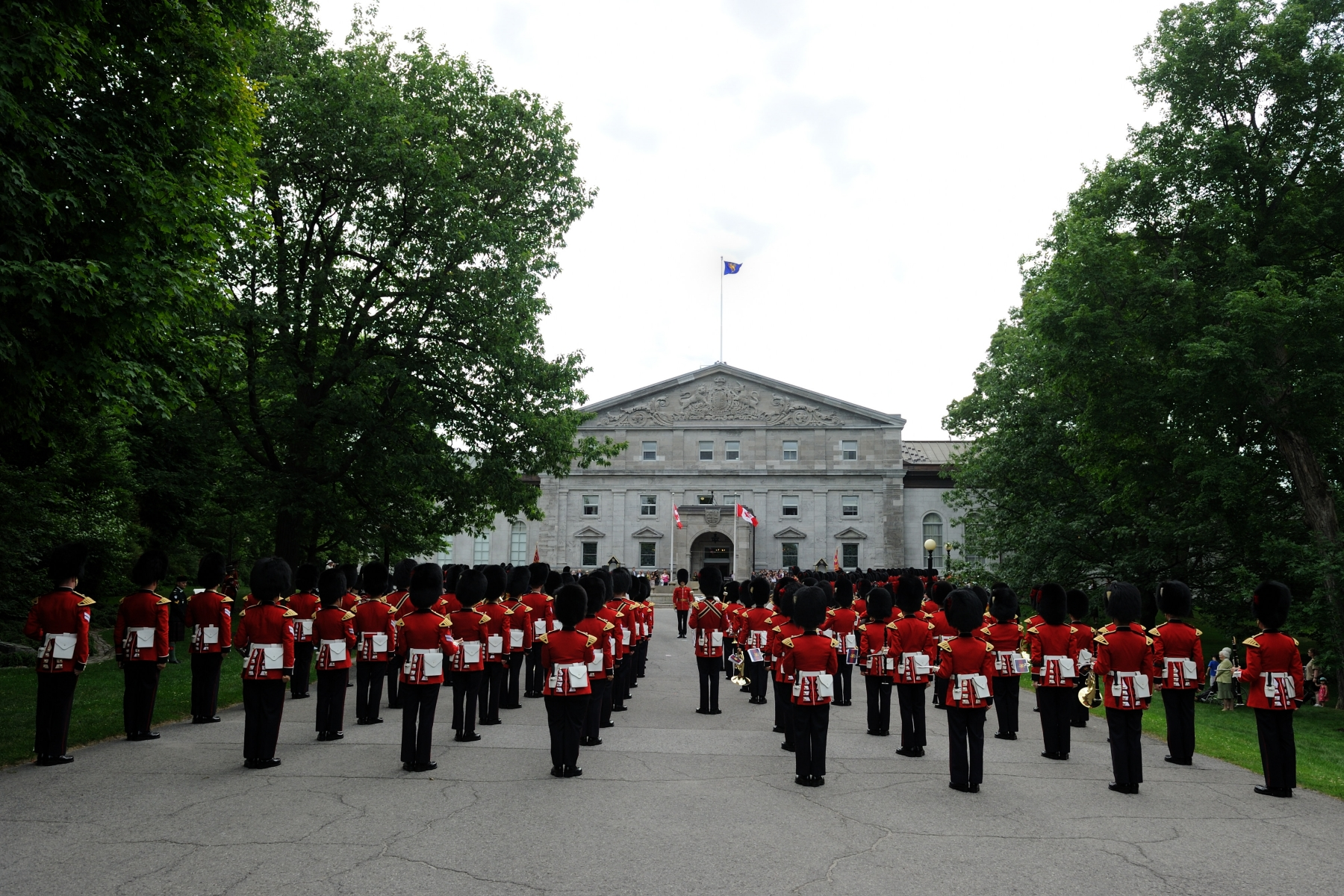 In addition to sentry duty at Rideau Hall, they perform in the daily Changing of the Guard ceremony on Parliament Hill; in the mounting of guards of honour during visits by dignitaries; and in public concerts, military functions or other ceremonies throughout the National Capital Region.