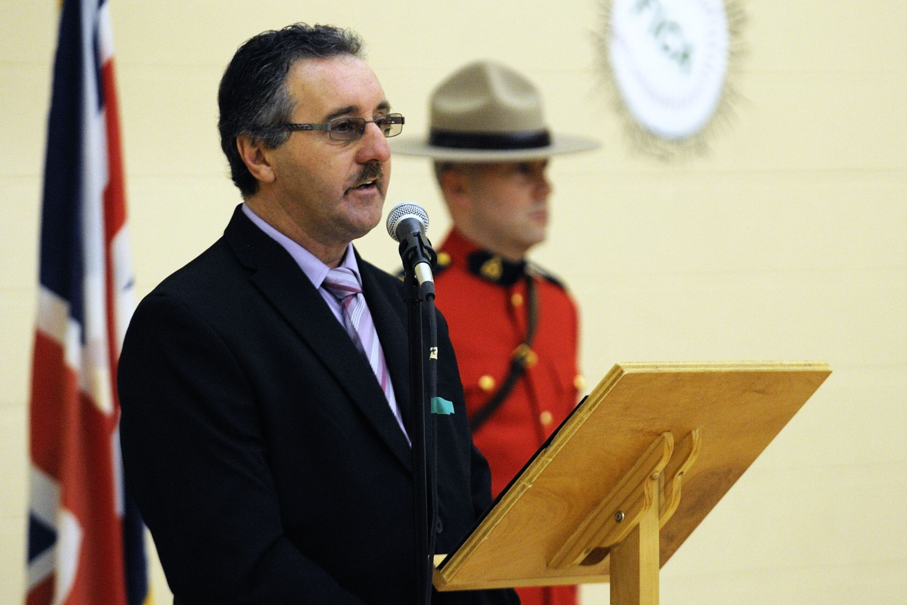 His Worship Gerard Foley, Mayor of the Town of Fogo Island, officially welcomed Their Excellencies to his hometown and invited the Governor General to say a few words.