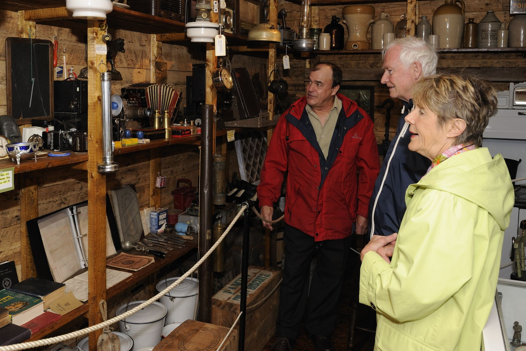 They also conducted a walkabout to visit a variety of local sites, such as the Old Shoppe Museum, which contains a collection of artifacts related to Newfoundland and Labrador's history.